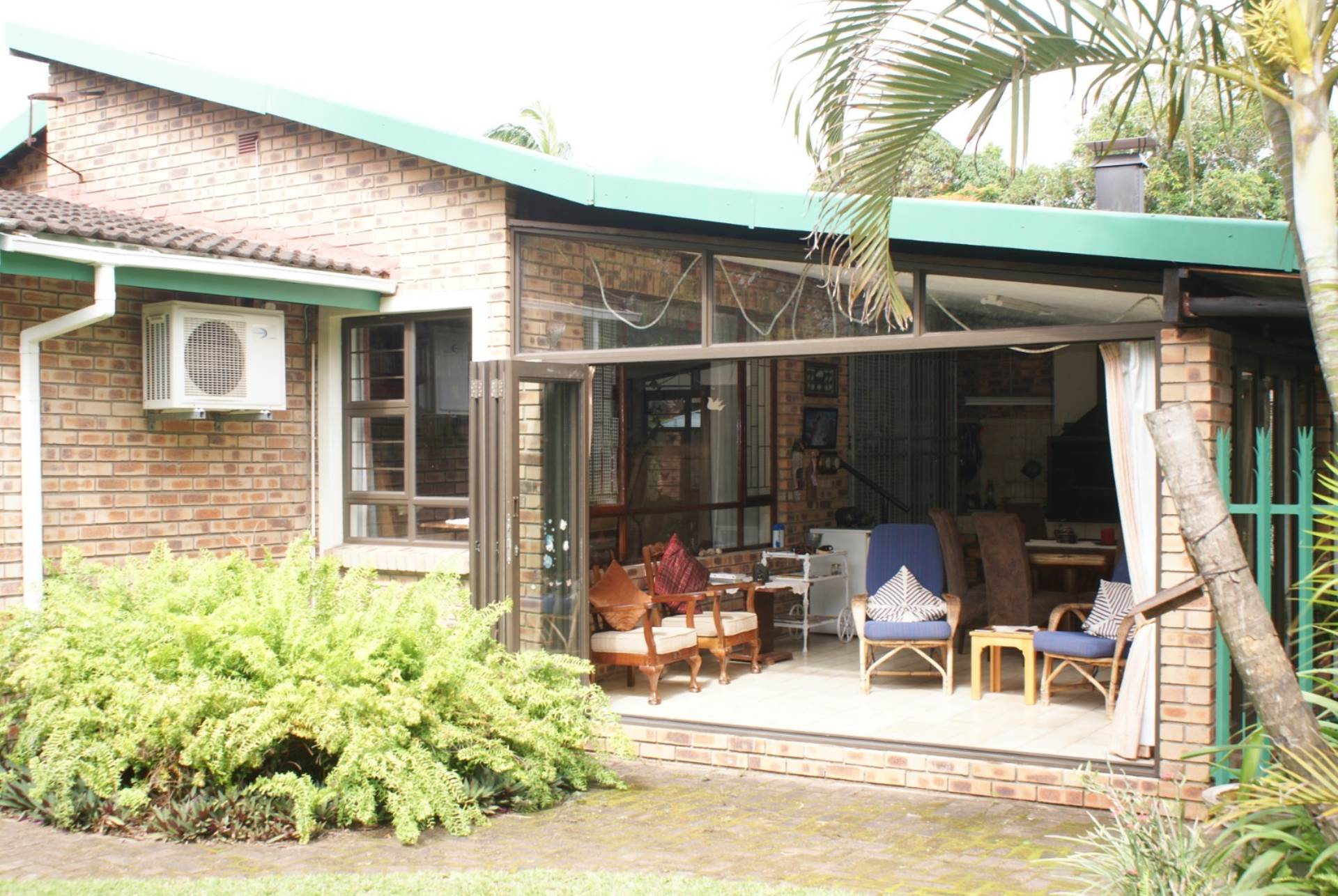 5 BedroomTownhouse For Sale In St Lucia