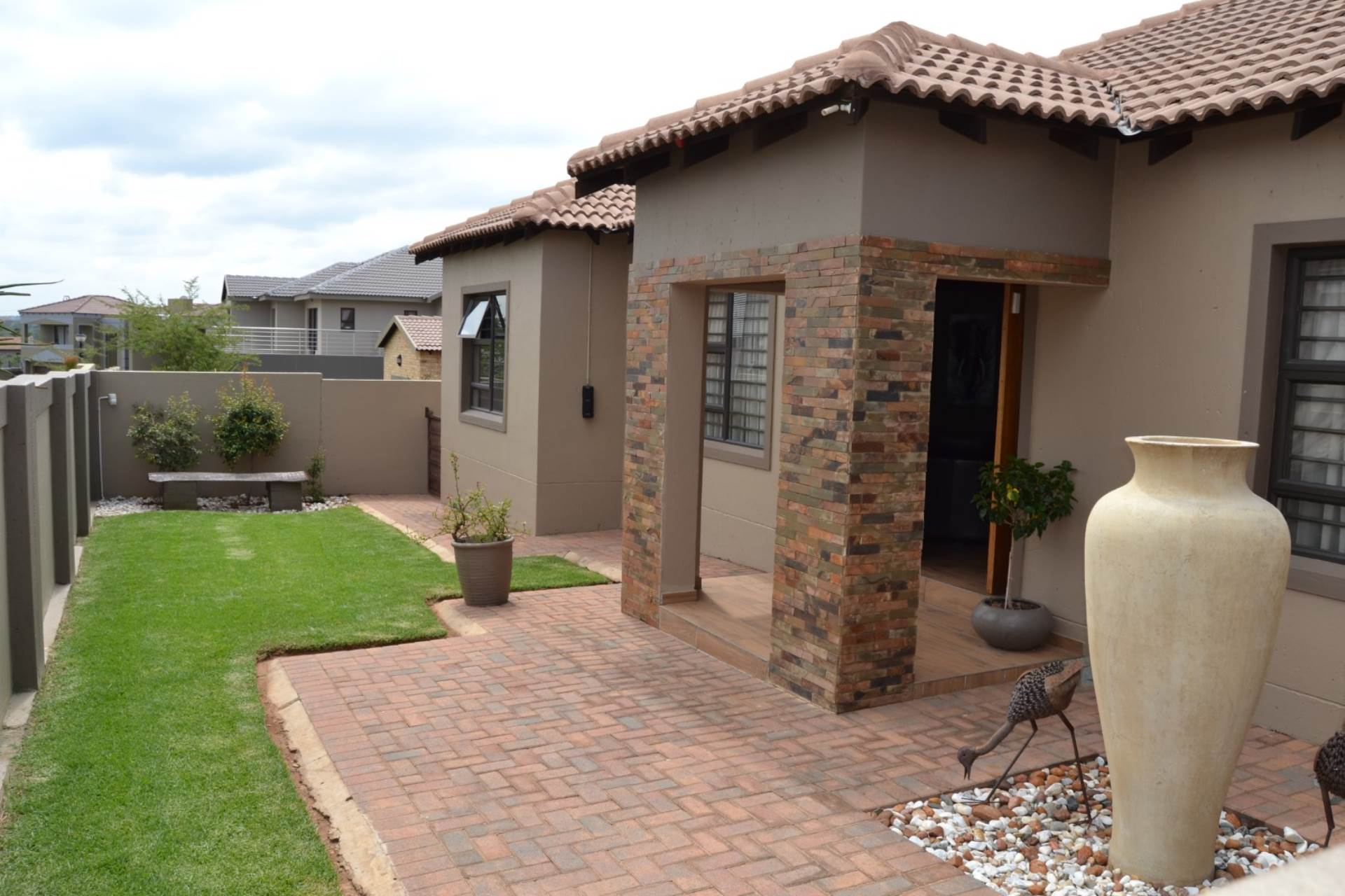 5 BedroomHouse For Sale In Homes Haven