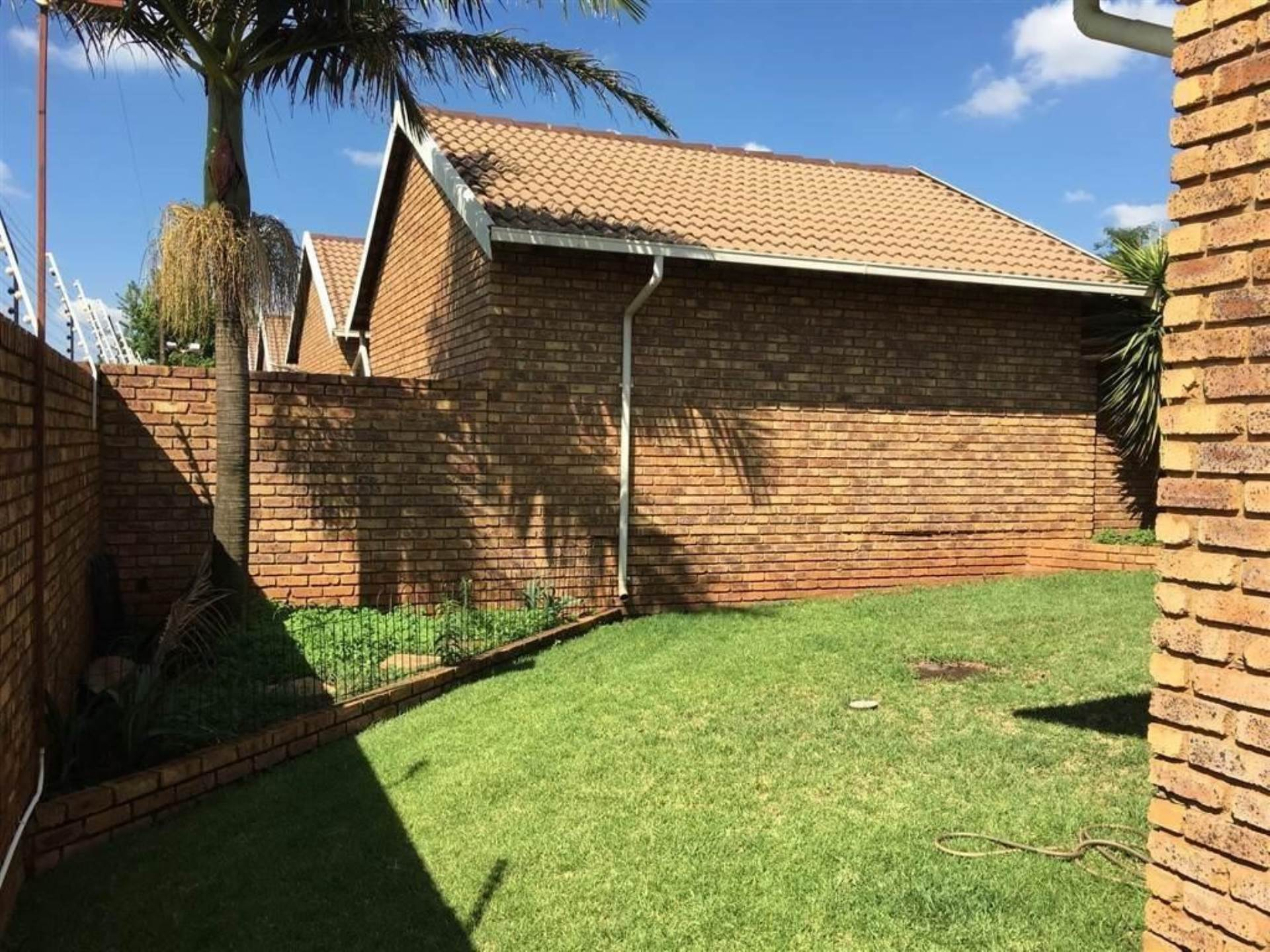 Highveld property for sale. Ref No: 13571983. Picture no 2