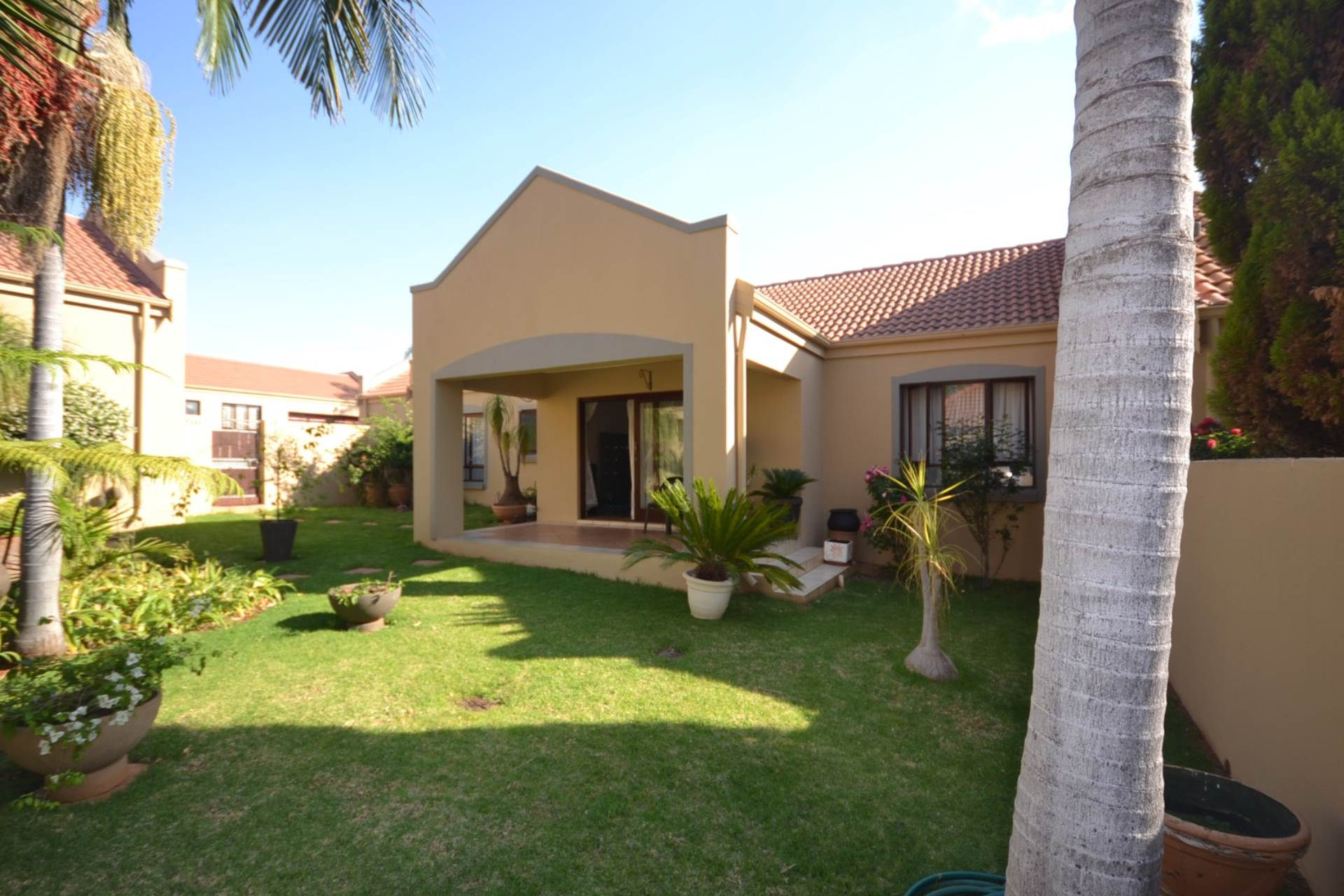 Property and Houses for sale in Olympus - Page 4, Townhouse, 3 Bedrooms - ZAR 1,660,000