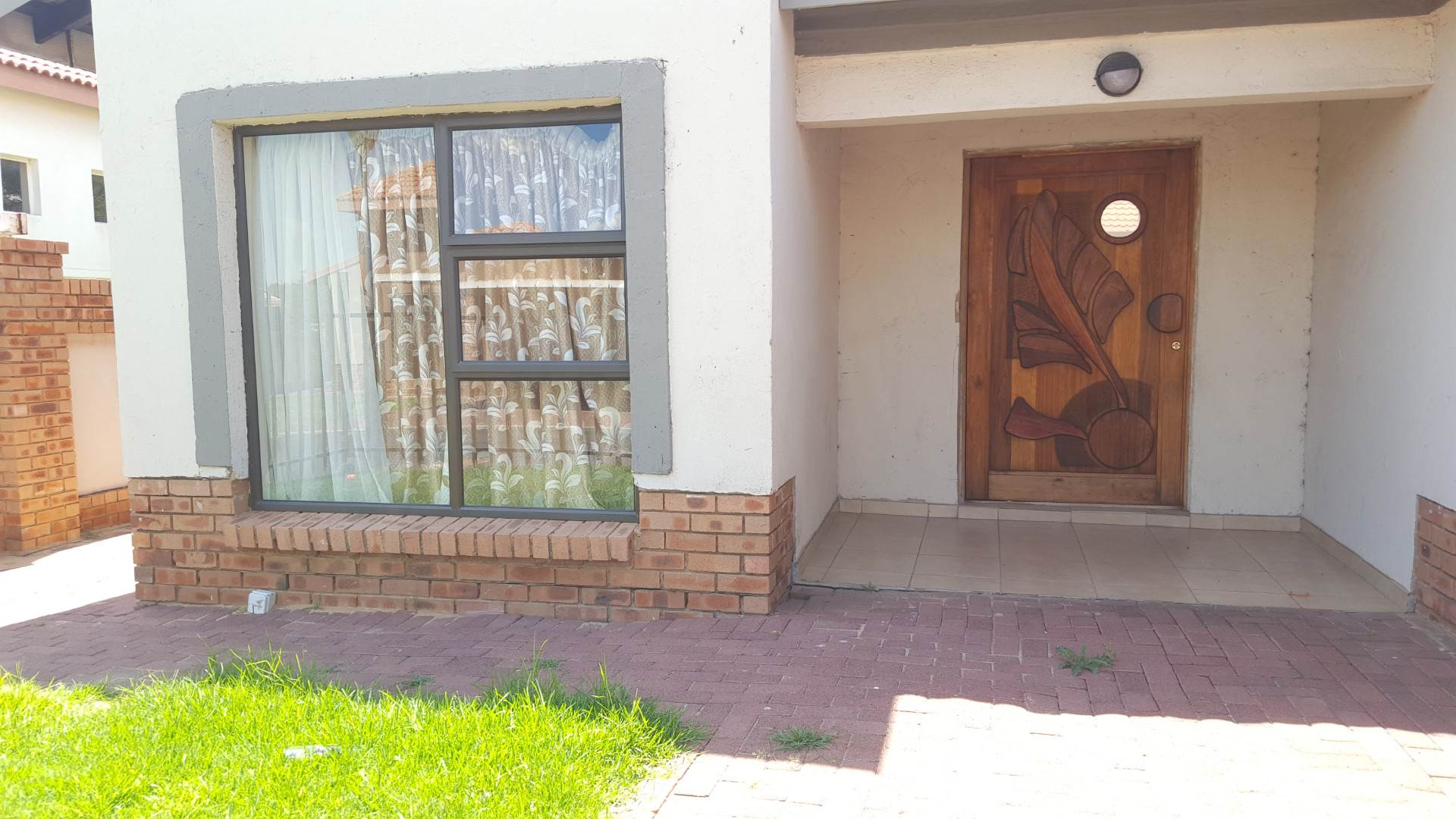 3 BedroomTownhouse To Rent In Reyno Ridge