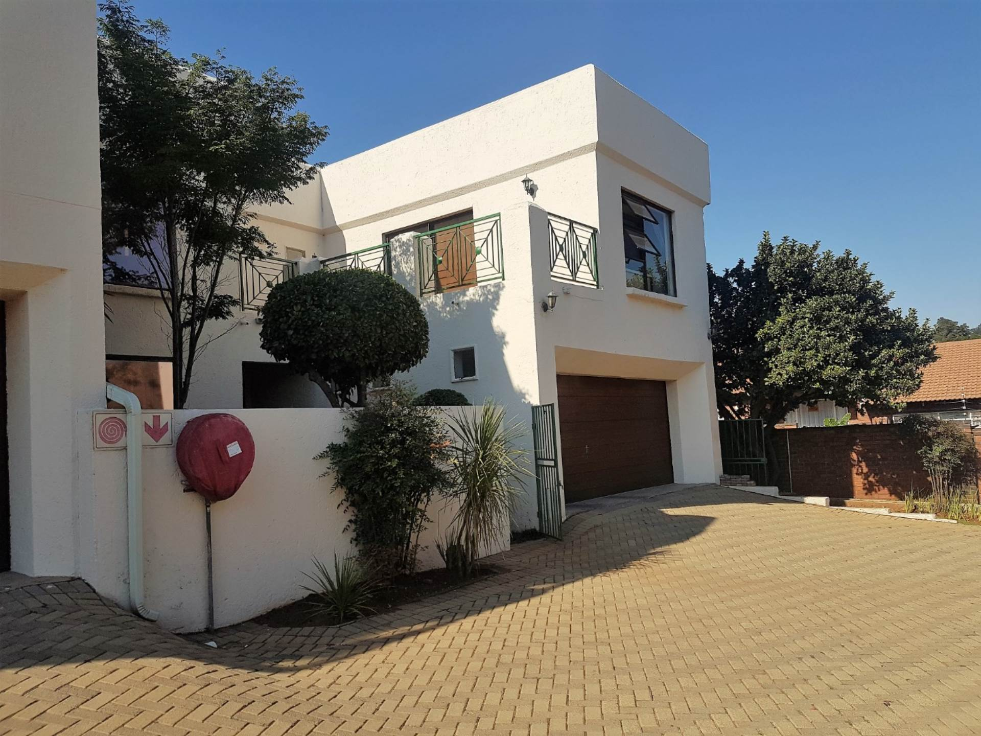 3 BedroomTownhouse To Rent In Kloofendal