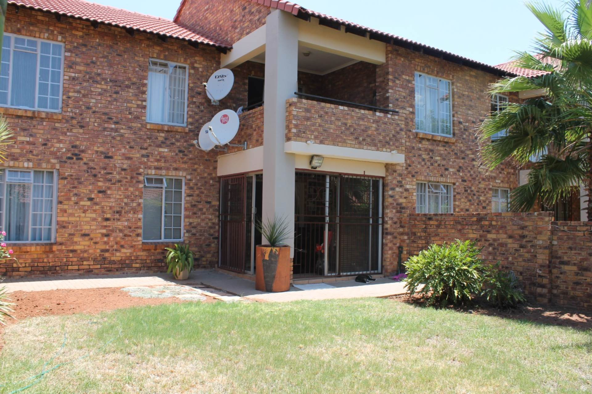 2 BedroomTownhouse For Sale In Theresapark