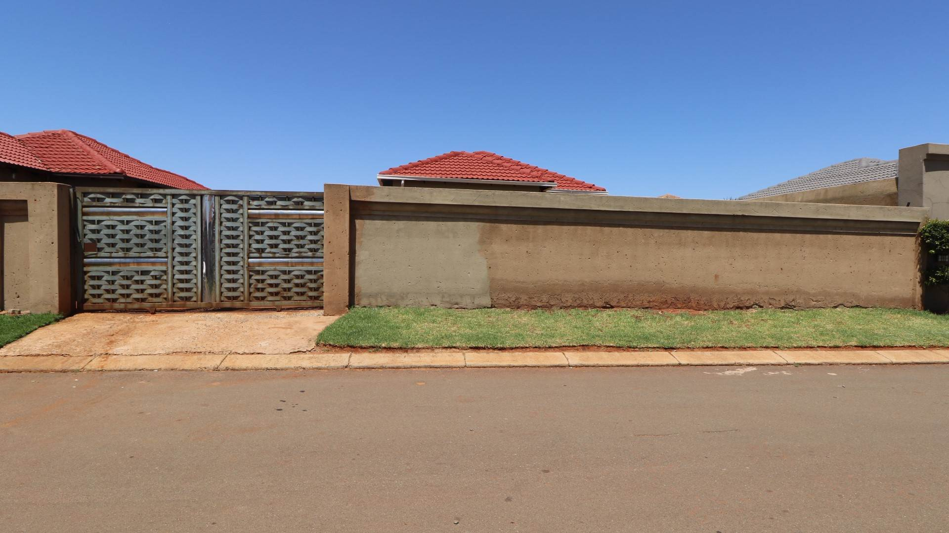 3 BedroomHouse For Sale In Dawn Park