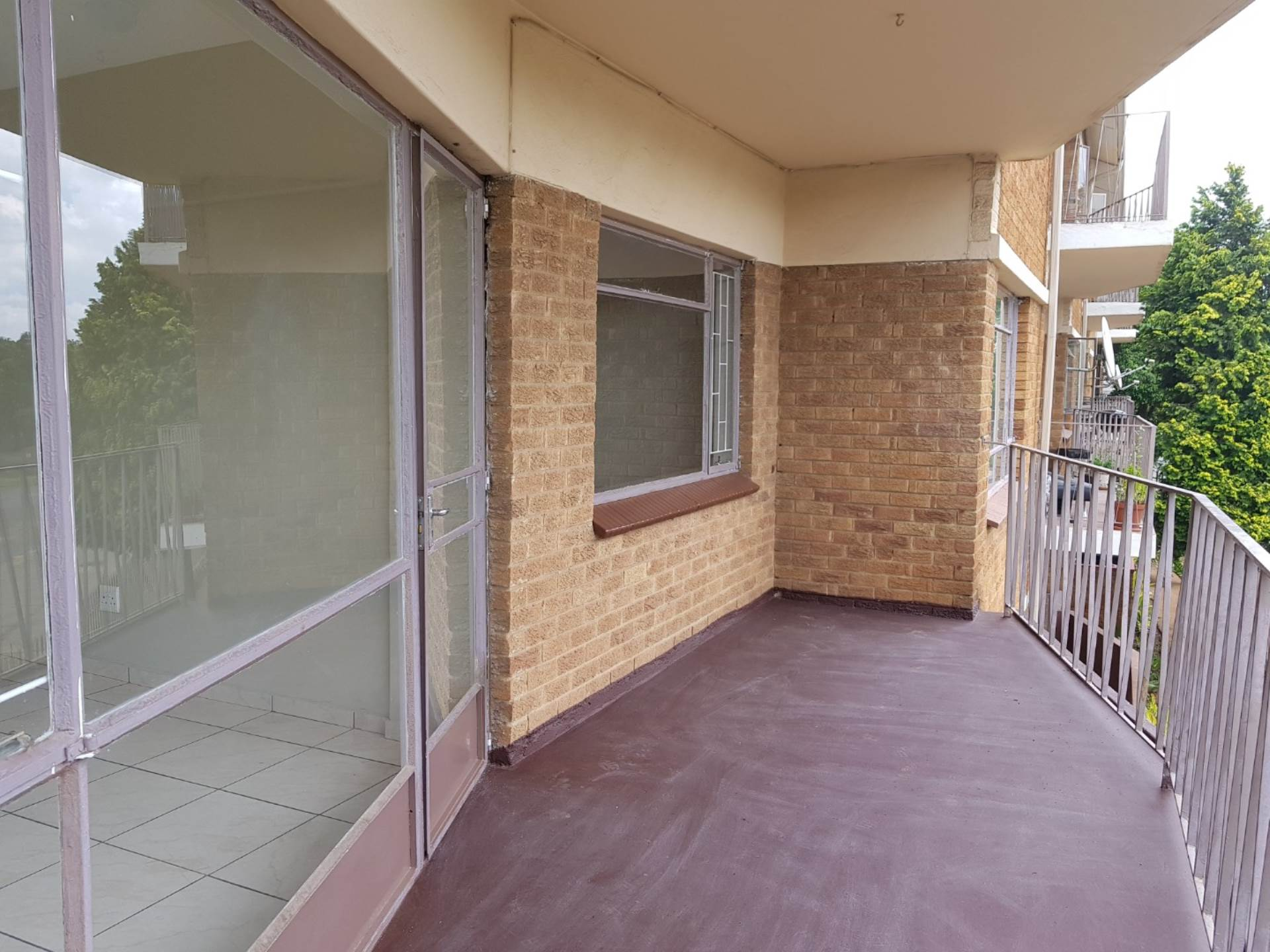 3 BedroomFlat To Rent In Hurlyvale