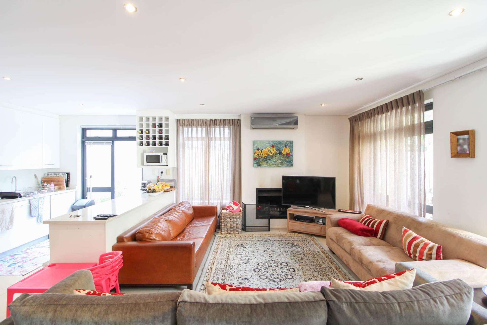 4 BedroomHouse For Sale In Sea Point