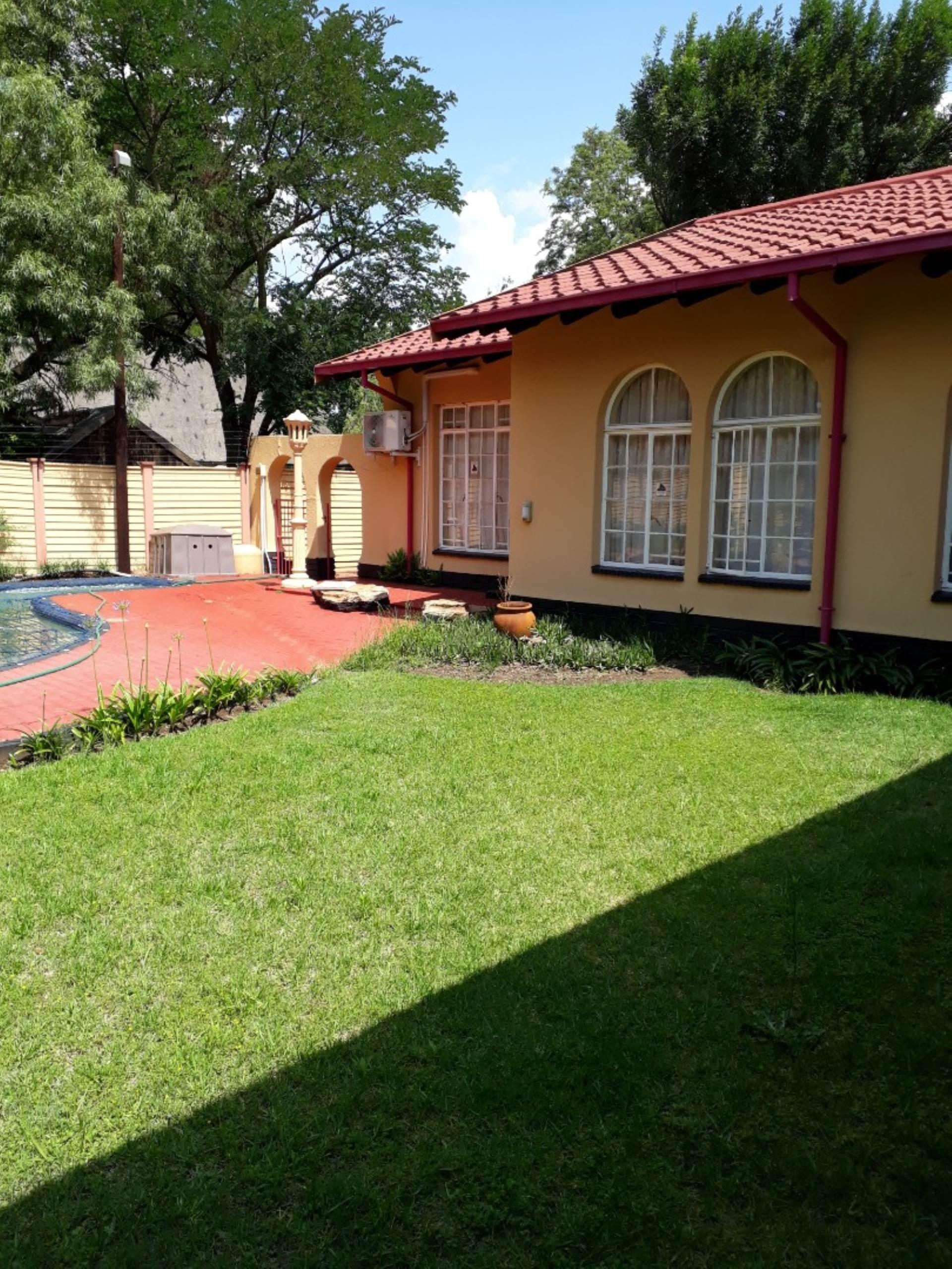 4 BedroomHouse For Sale In Vaalpark