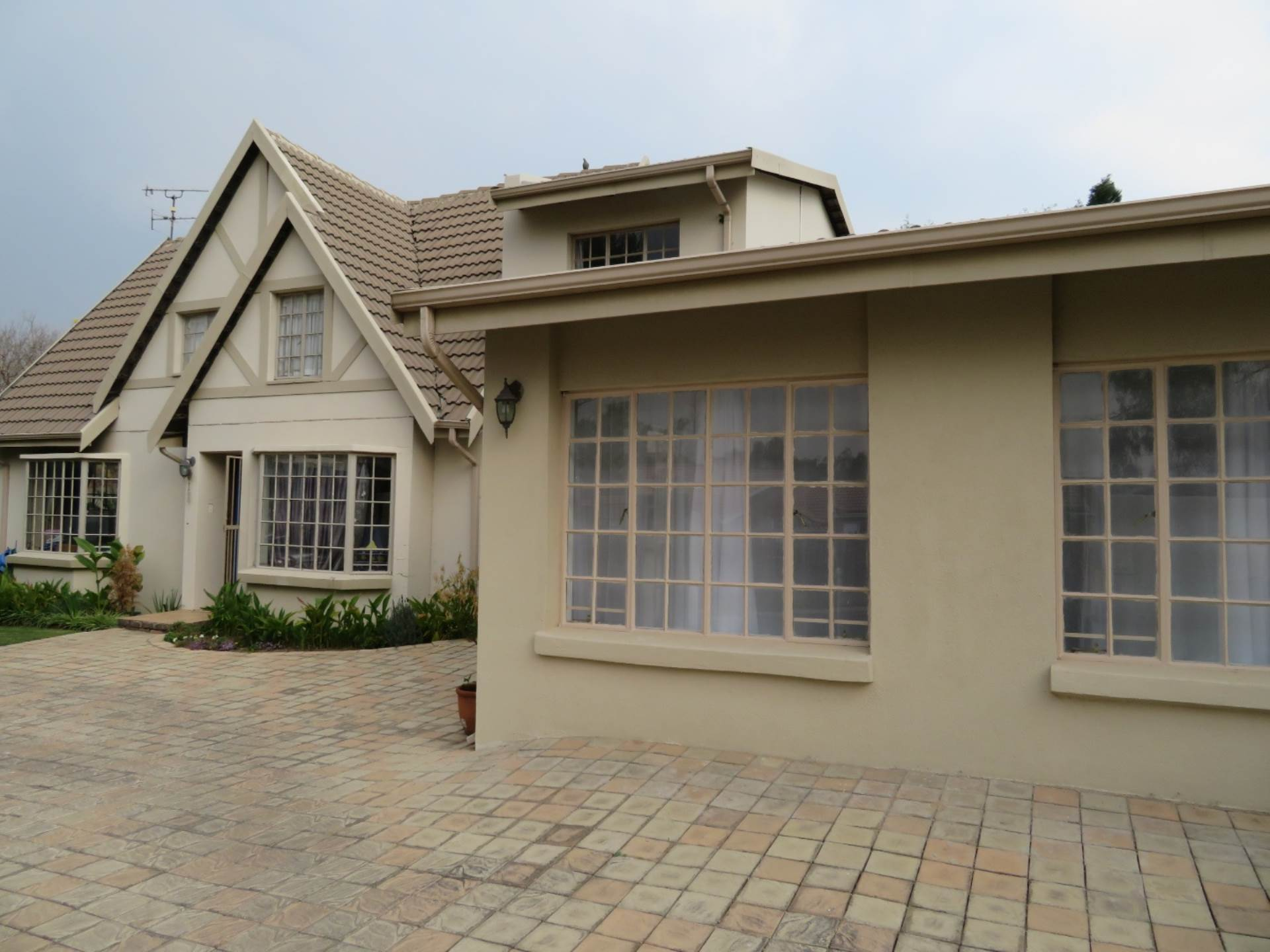 4 BedroomHouse For Sale In Country View