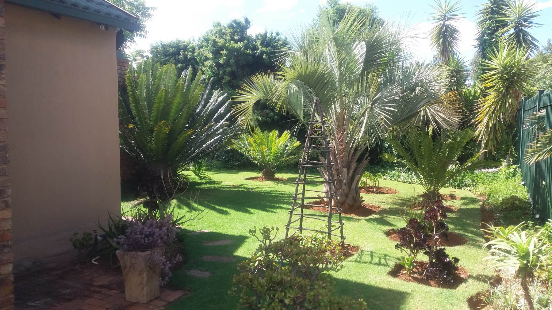 Moreleta Park property for sale. Ref No: 13559371. Picture no 13