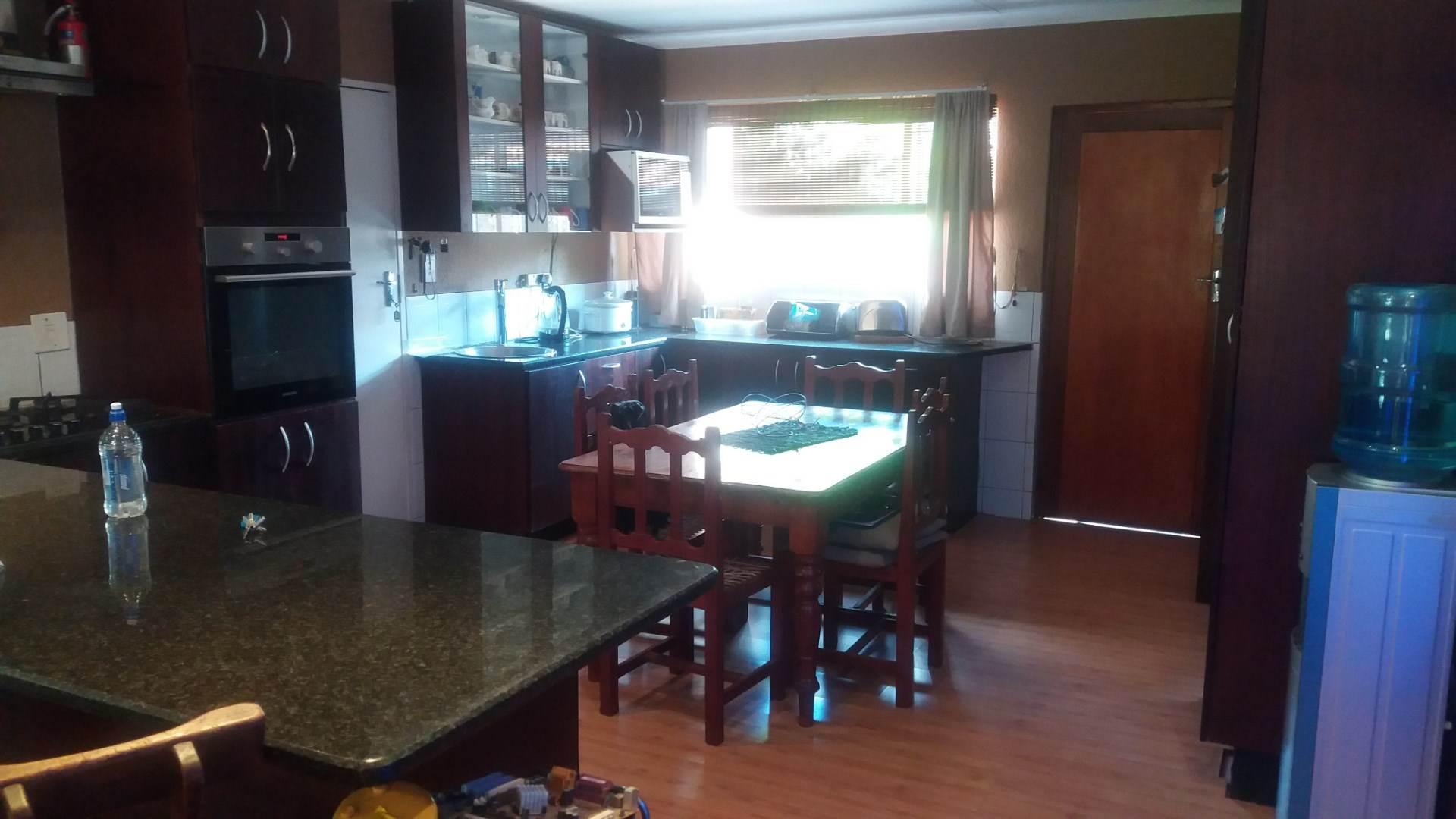 Moreleta Park property for sale. Ref No: 13559371. Picture no 2