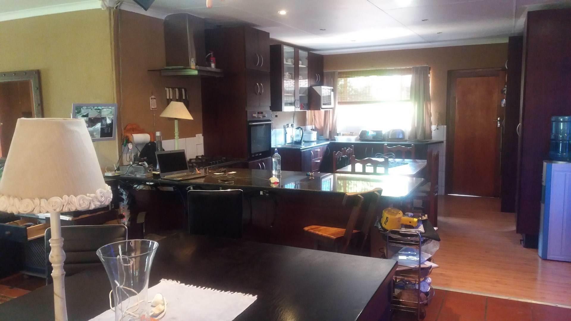 Moreleta Park property for sale. Ref No: 13559371. Picture no 3