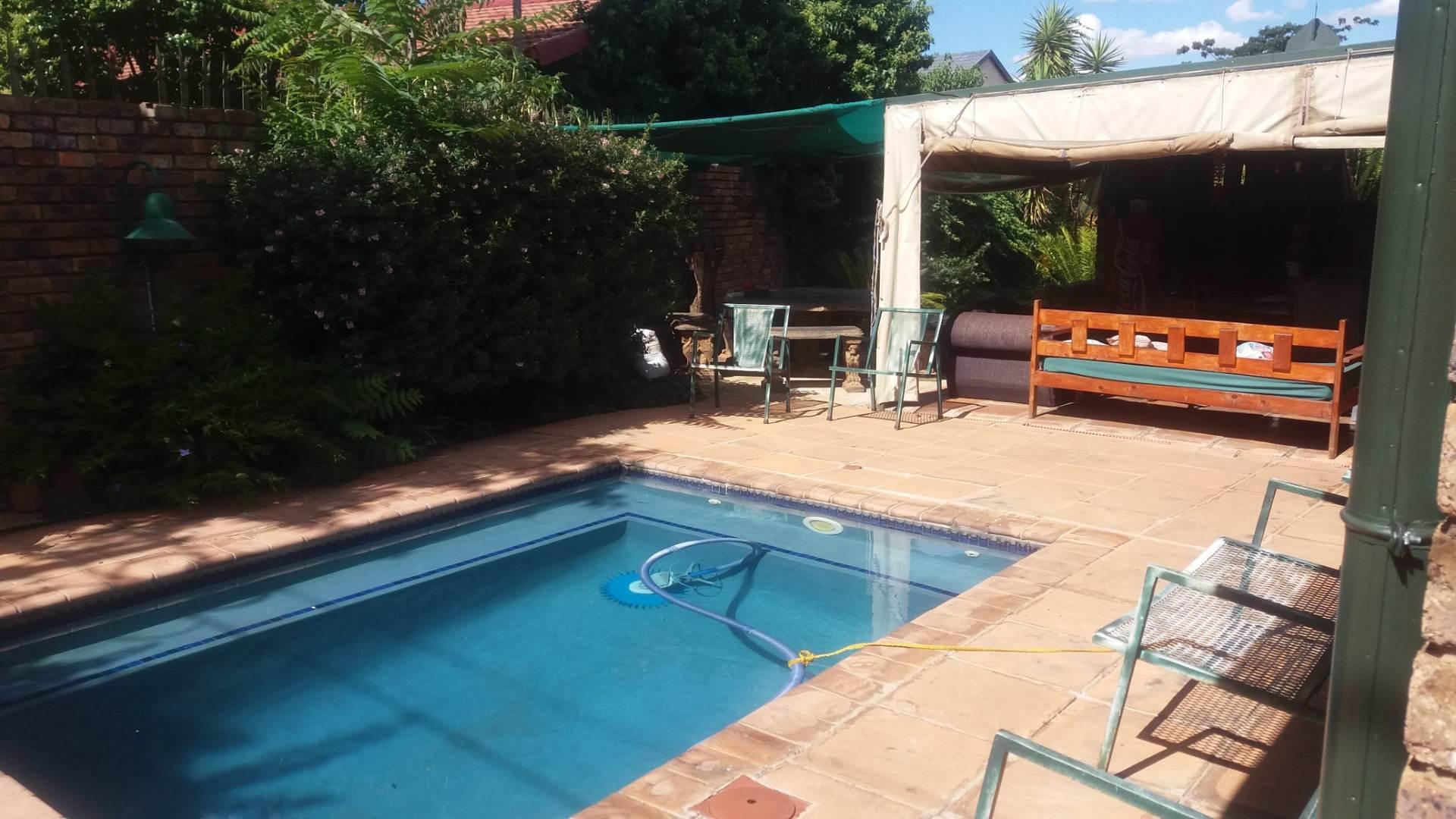 Moreleta Park property for sale. Ref No: 13559371. Picture no 12