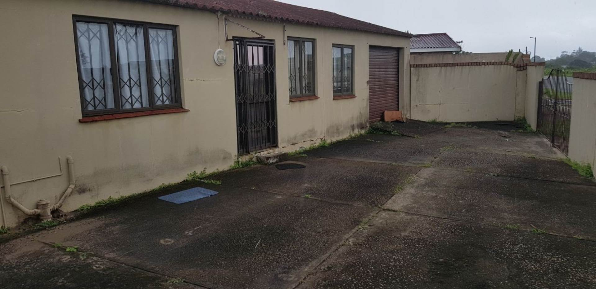 2 BedroomHouse For Sale In Esikhawini