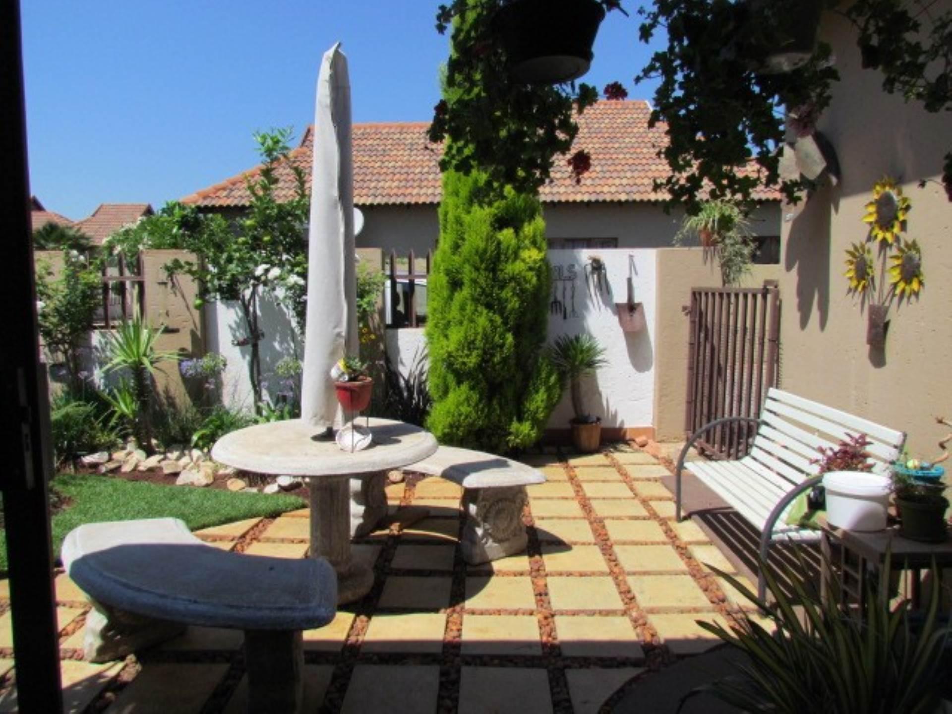 Pretoria, Rietvalleirand And Ext Property  | Houses For Sale Rietvalleirand And Ext, RIETVALLEIRAND and EXT, Cluster 3 bedrooms property for sale Price:1,625,000