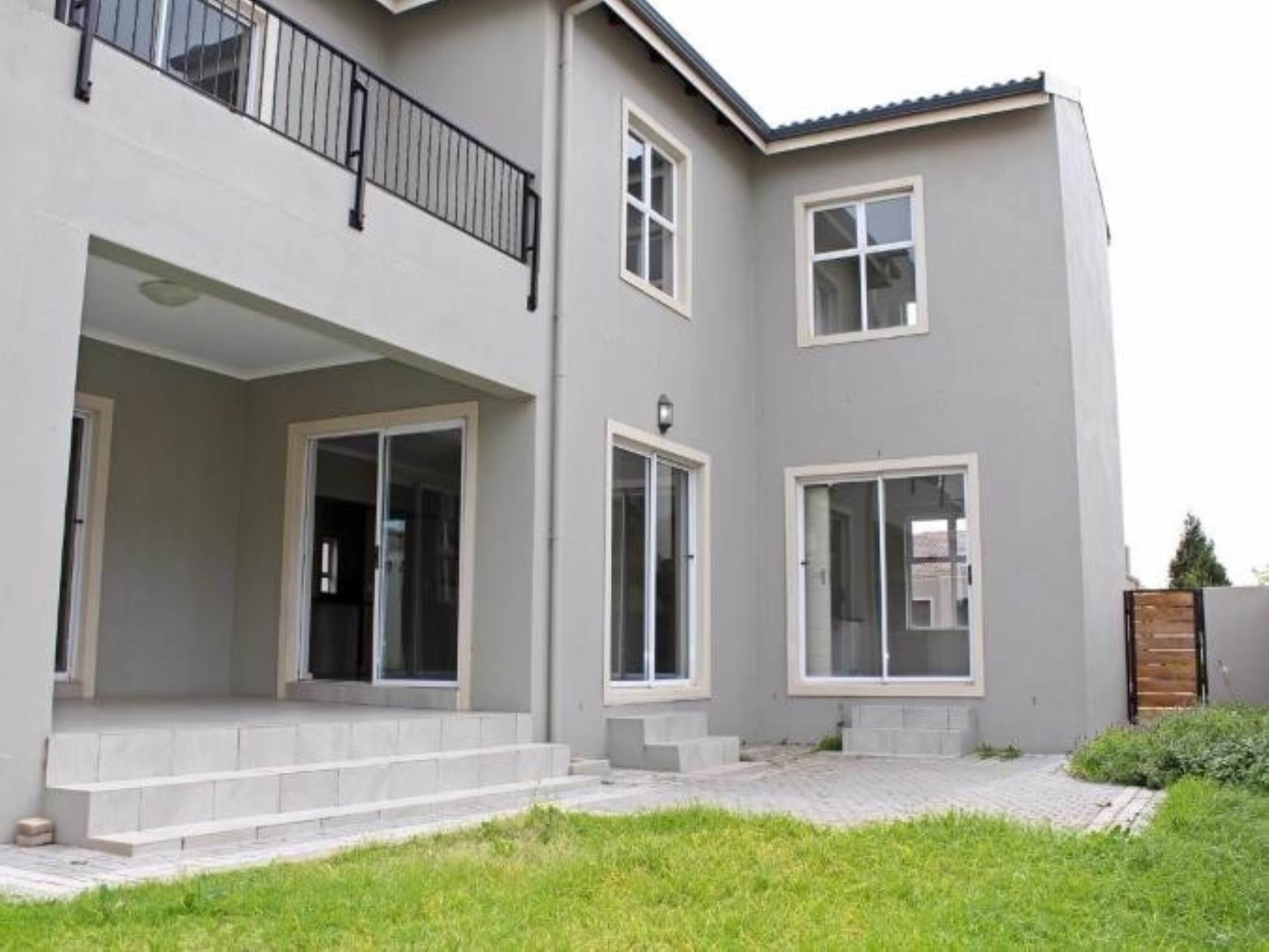 5 BedroomHouse For Sale In Avalon Estate