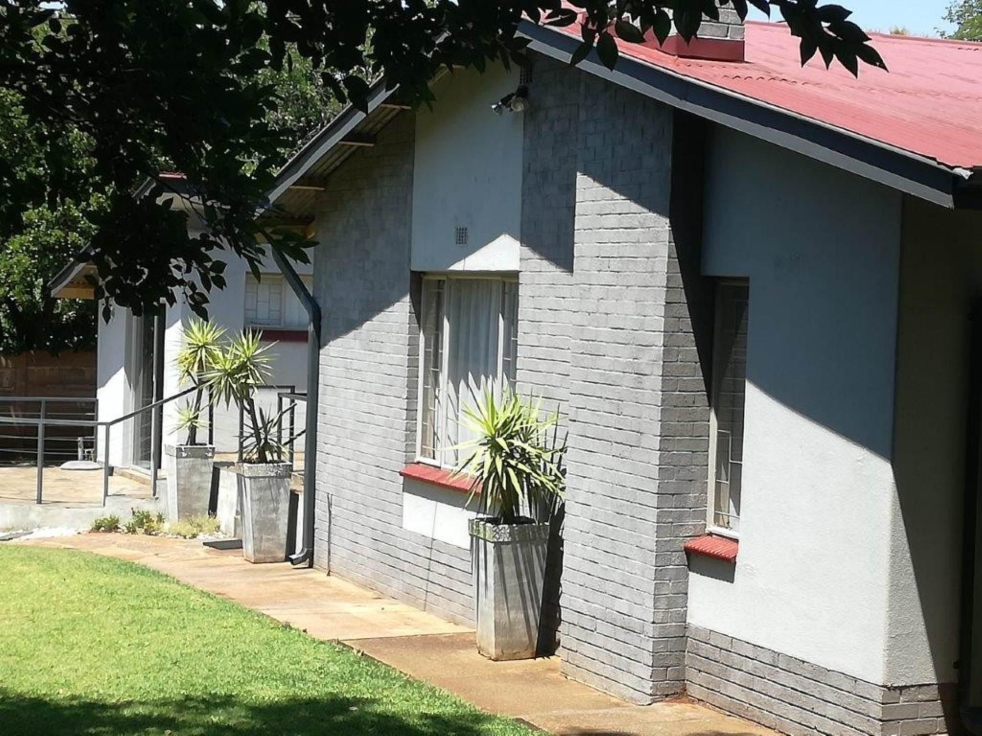 Property and Houses for sale in Valhalla, House, 4 Bedrooms - ZAR 1,800,000