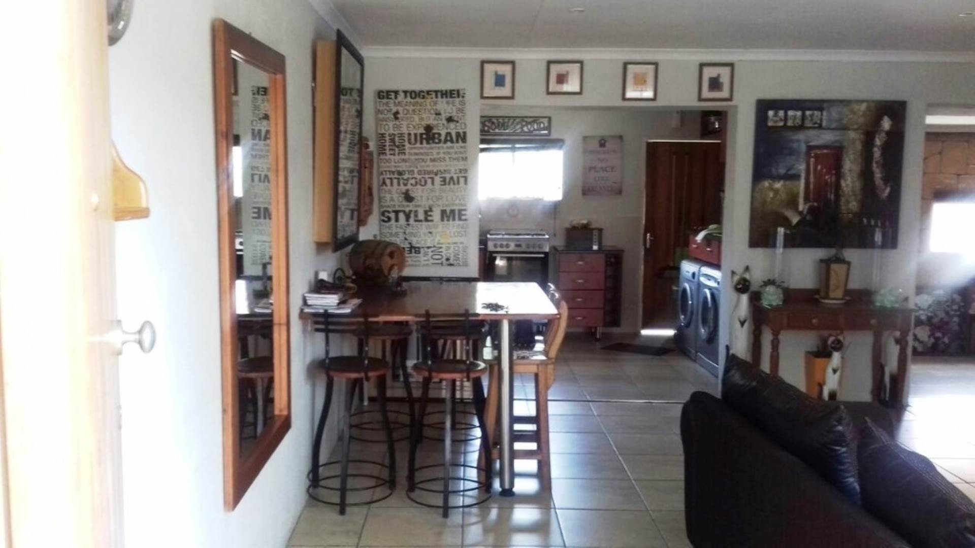 2 BedroomTownhouse To Rent In Glenvista