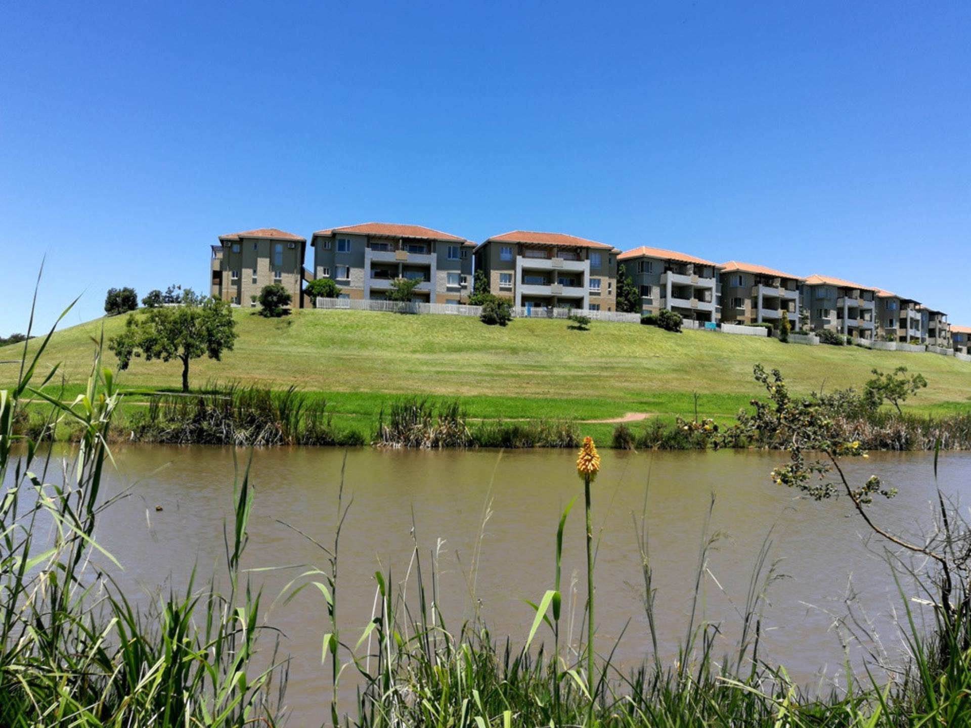 2 BedroomApartment For Sale In Sheffield Beach
