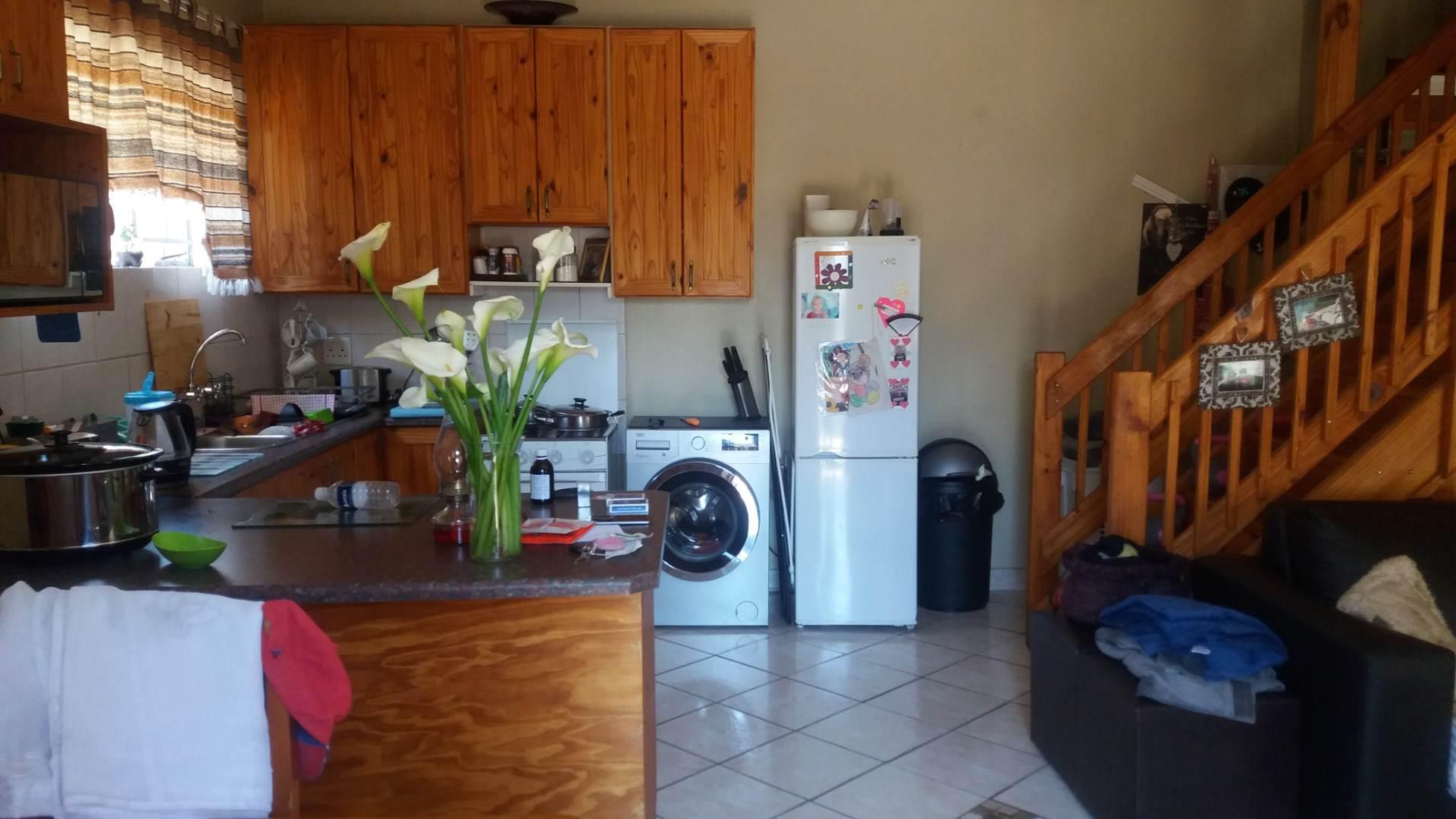 Moreleta Park property for sale. Ref No: 13550634. Picture no 12