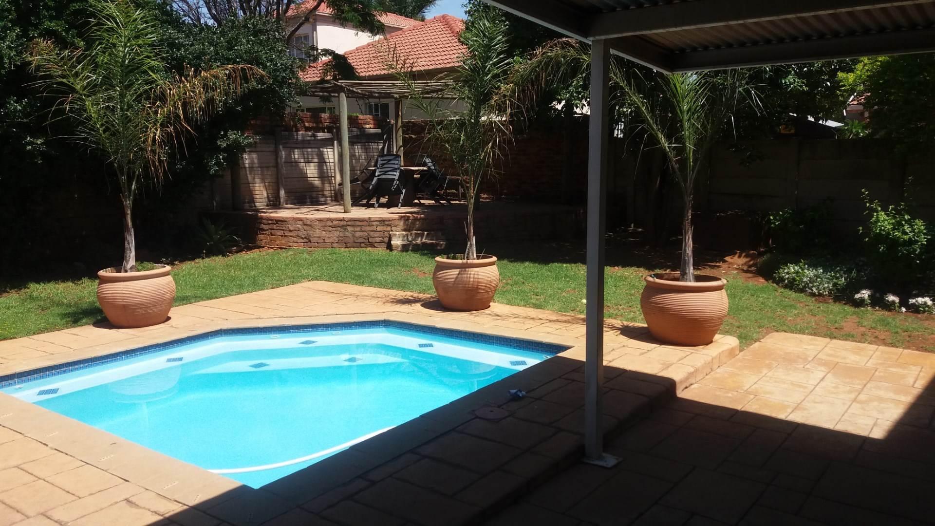 Moreleta Park property for sale. Ref No: 13550634. Picture no 2