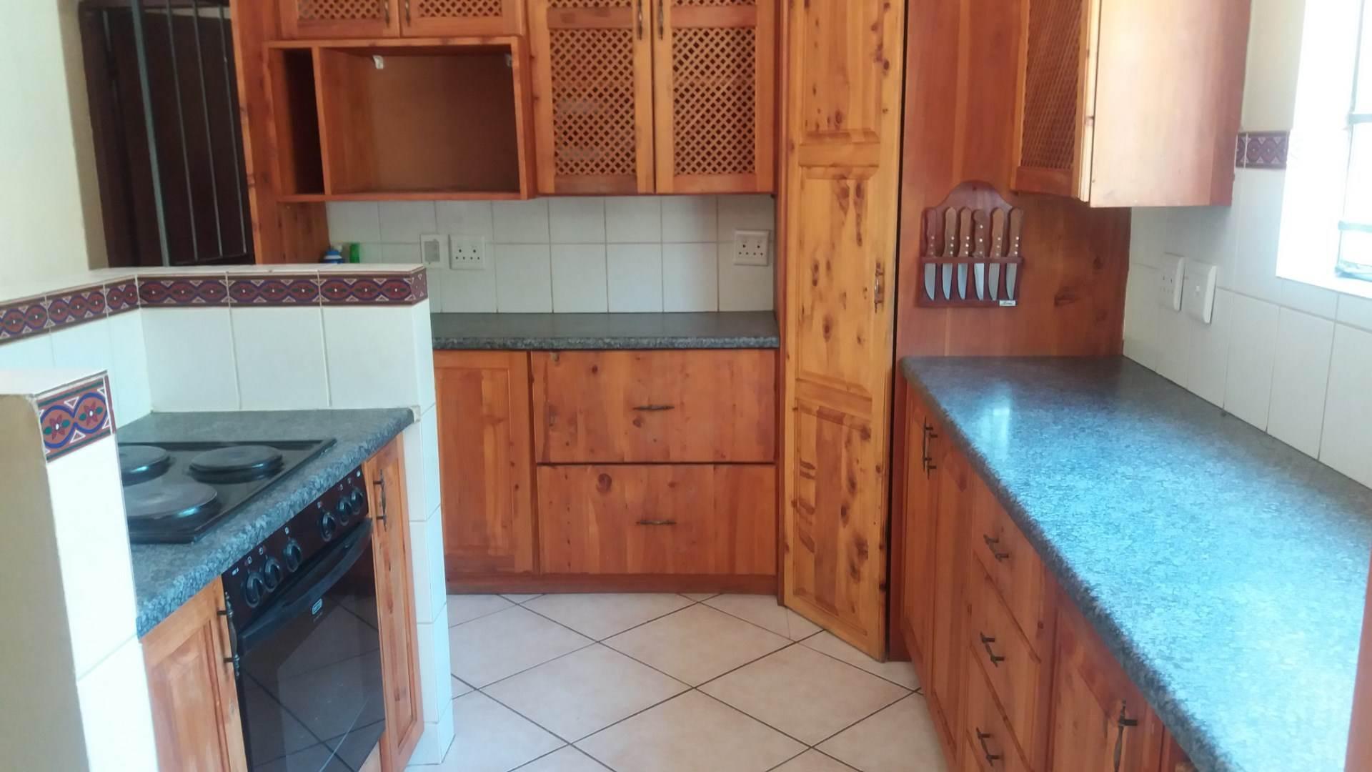 Moreleta Park property for sale. Ref No: 13550634. Picture no 4
