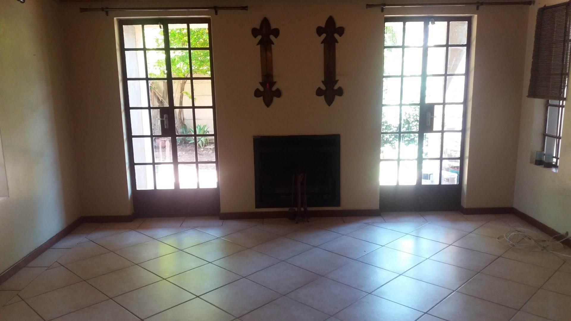 Moreleta Park property for sale. Ref No: 13550634. Picture no 8