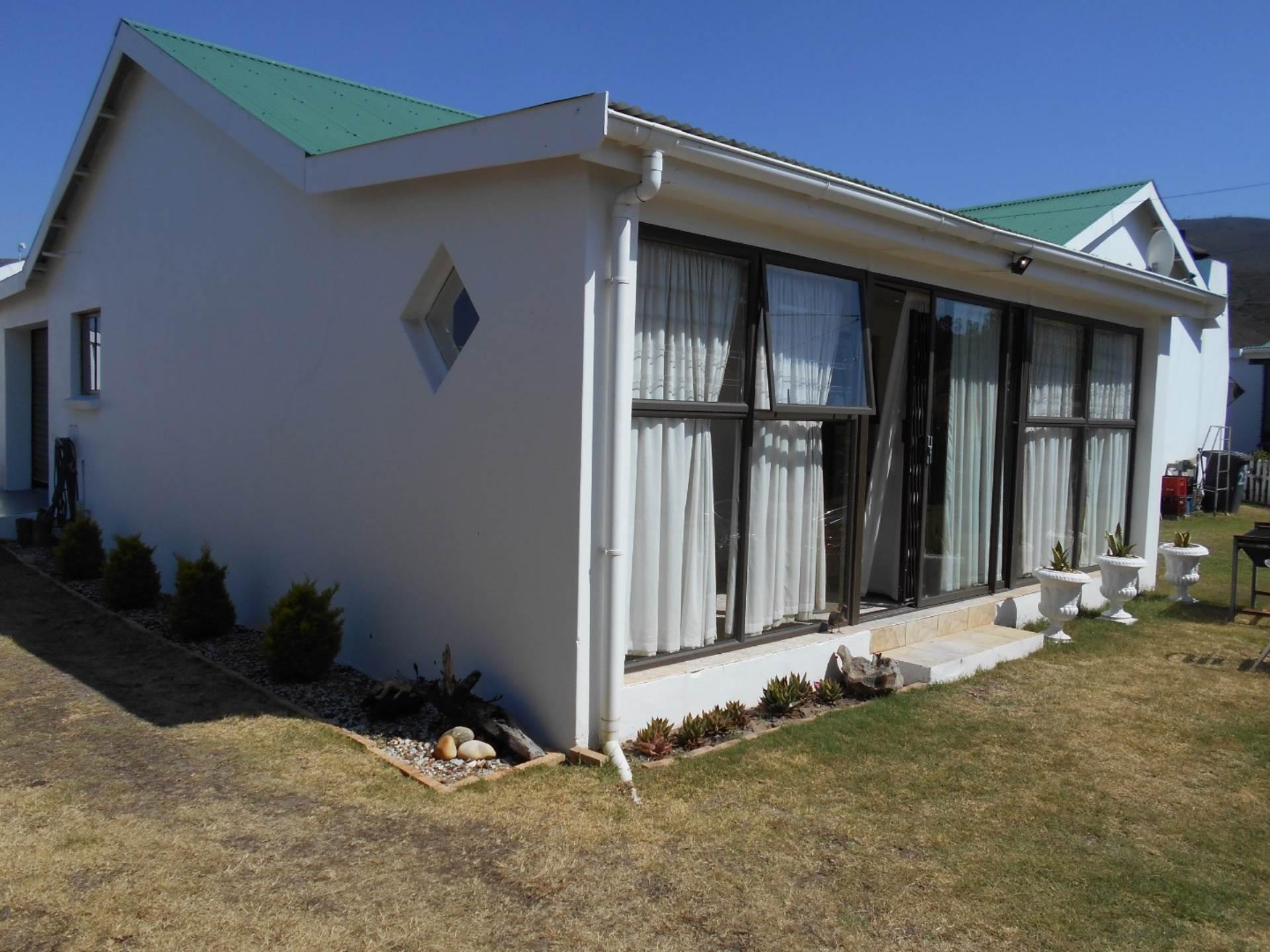 2 BedroomHouse For Sale In Sandbaai
