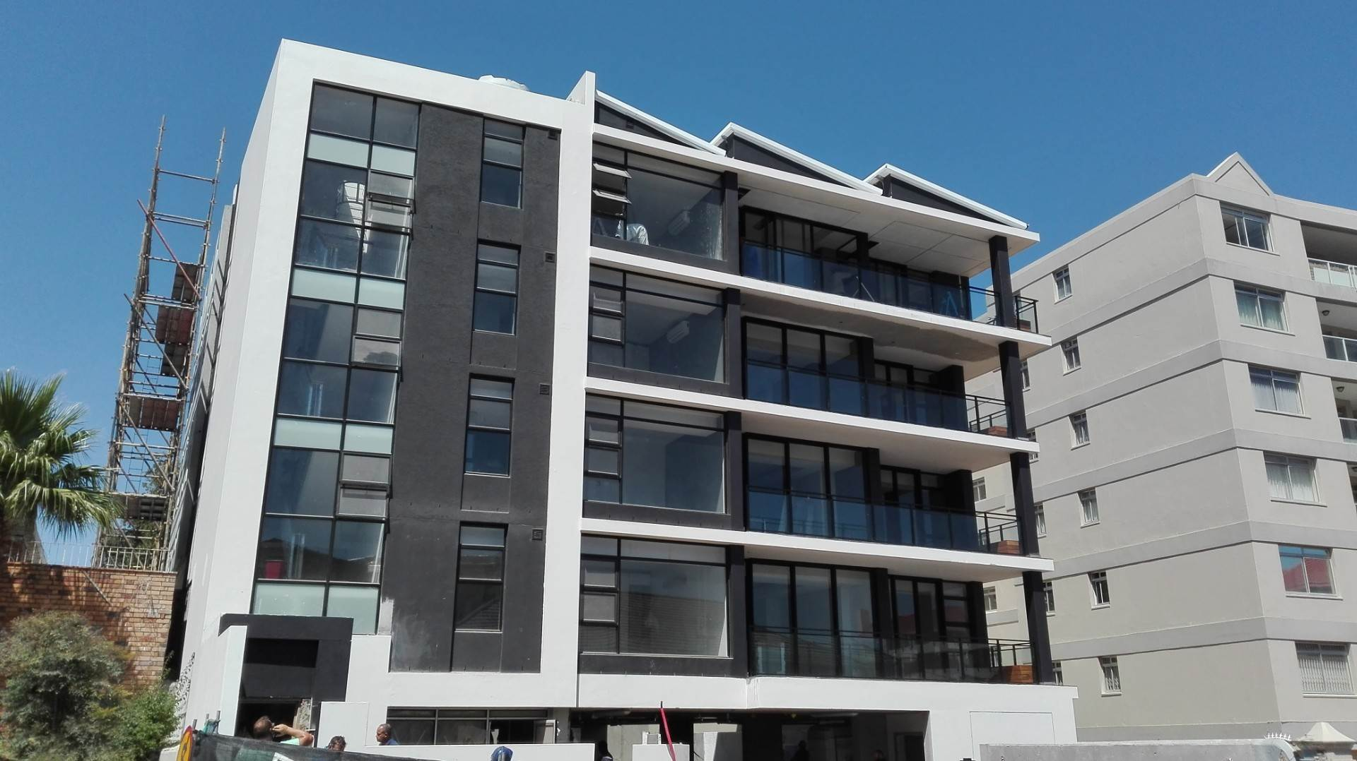 Sea Point property to rent. Ref No: 13576250. Picture no 1