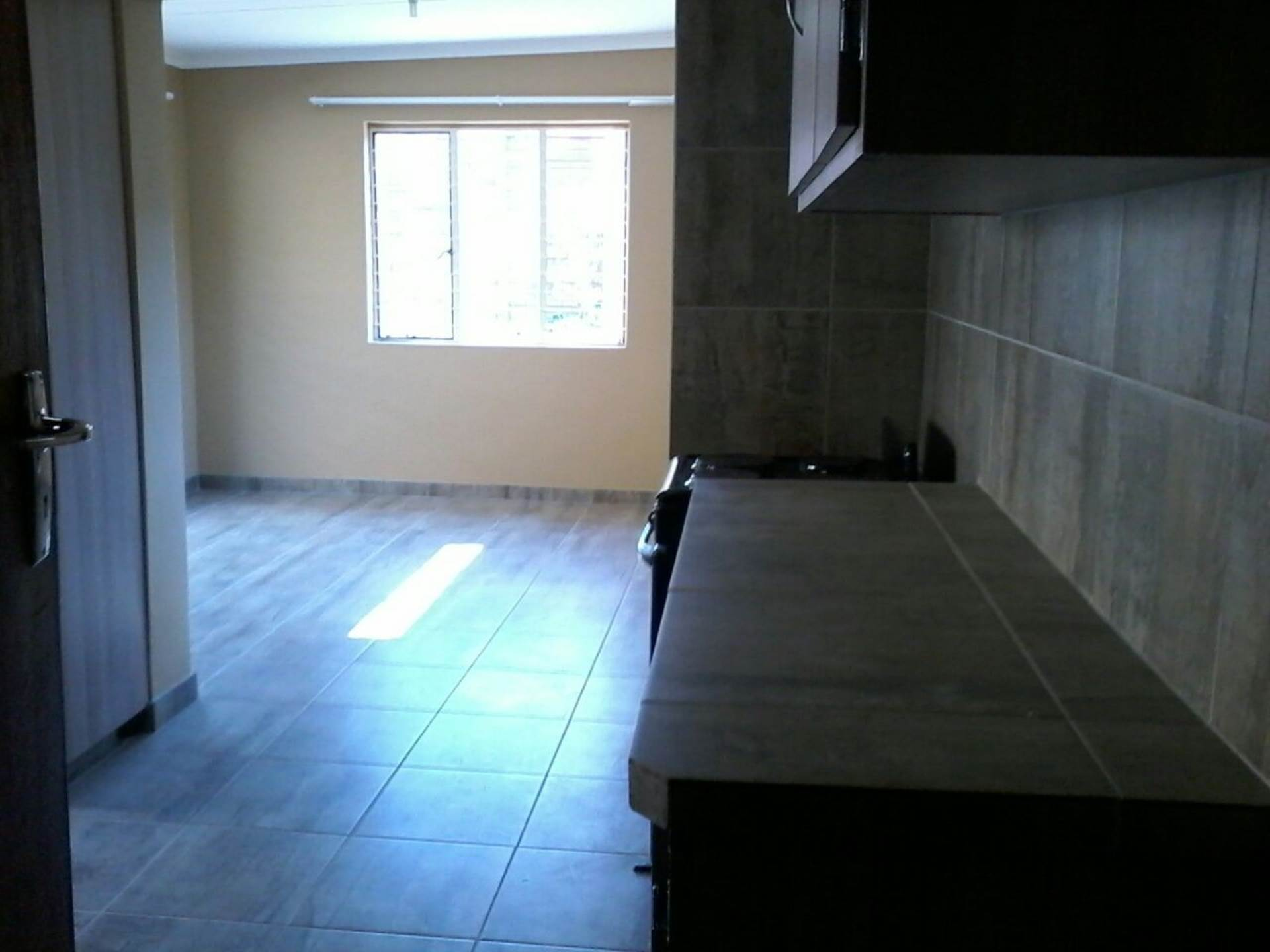 2 BedroomFlat To Rent In Silverton