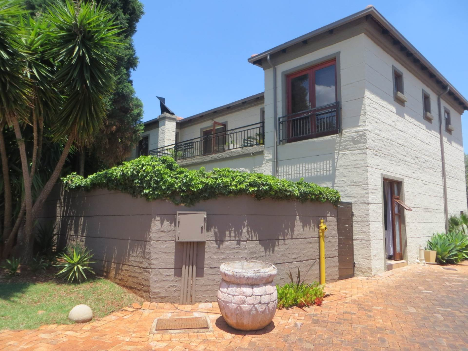 4 BedroomTownhouse For Sale In Centurion Golf Estate