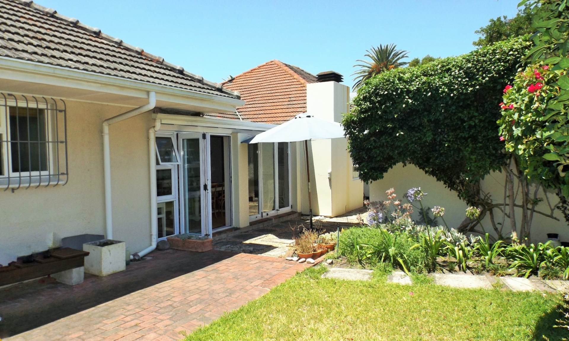 4 BedroomHouse For Sale In Eastcliff