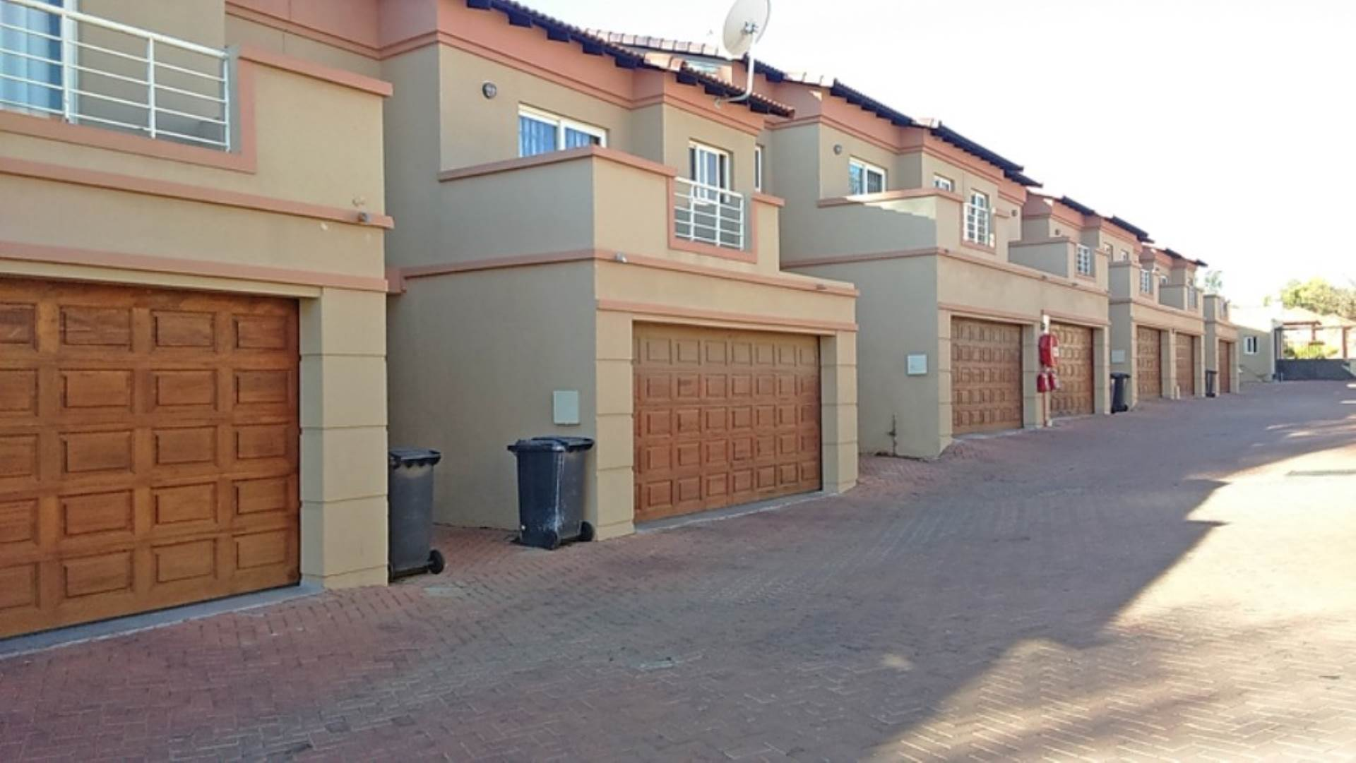 3 BedroomTownhouse To Rent In Ferndale
