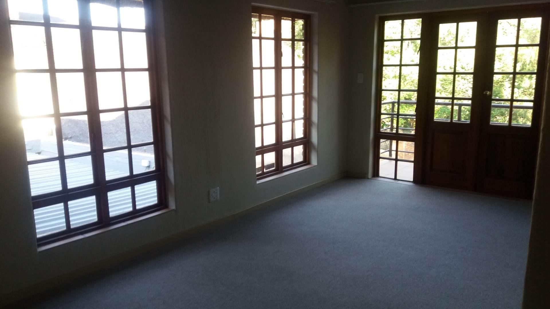 Moreleta Park property for sale. Ref No: 13551813. Picture no 14