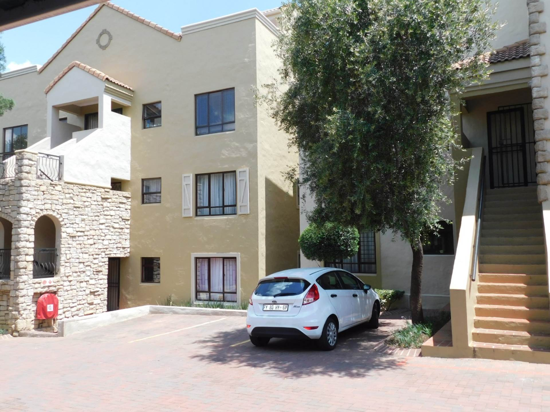 2 BedroomApartment For Sale In Douglasdale