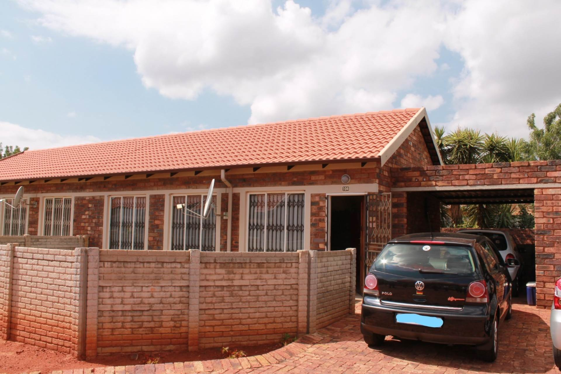 3 BedroomTownhouse For Sale In The Orchards
