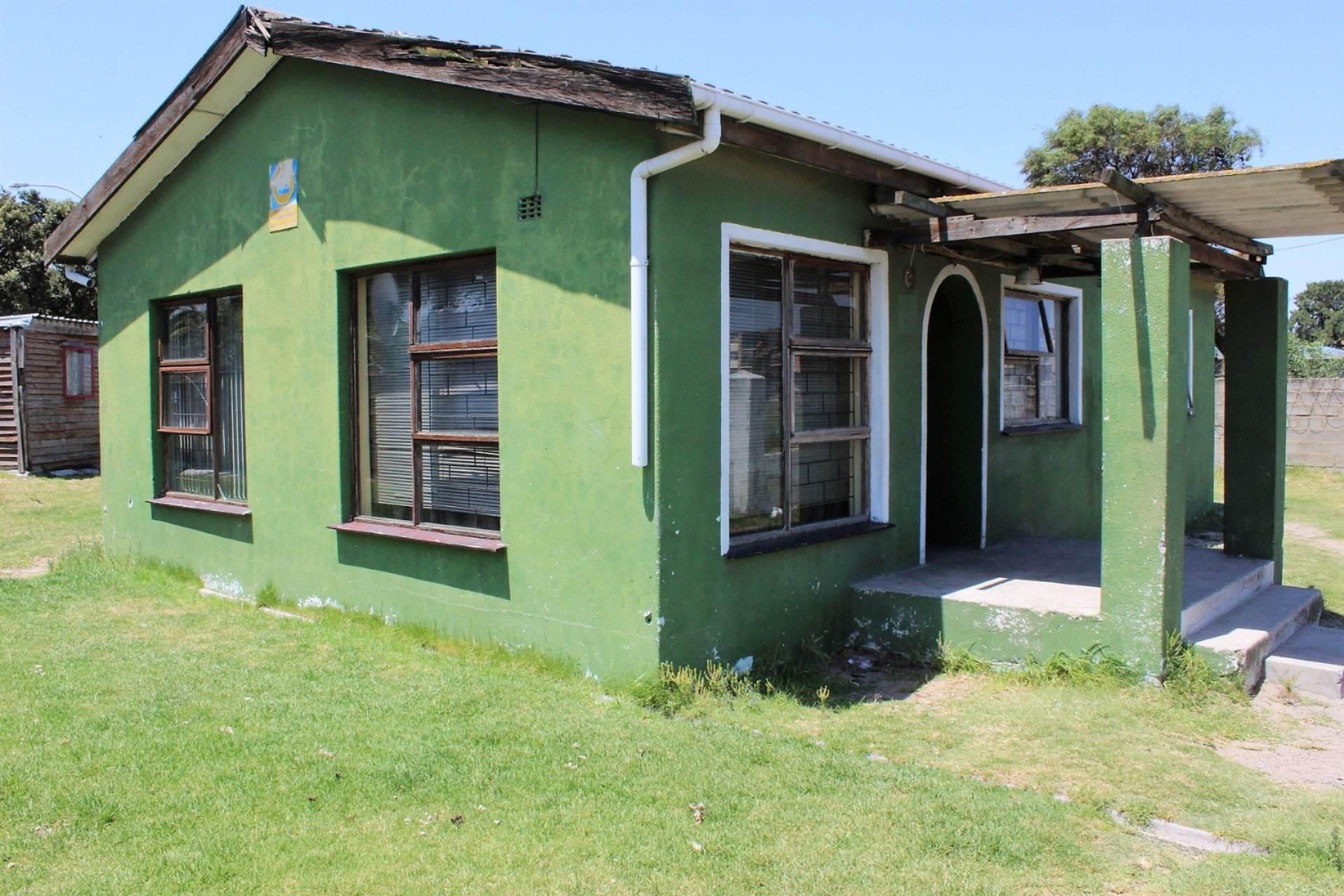 2 BedroomHouse Pending Sale In Avonwood