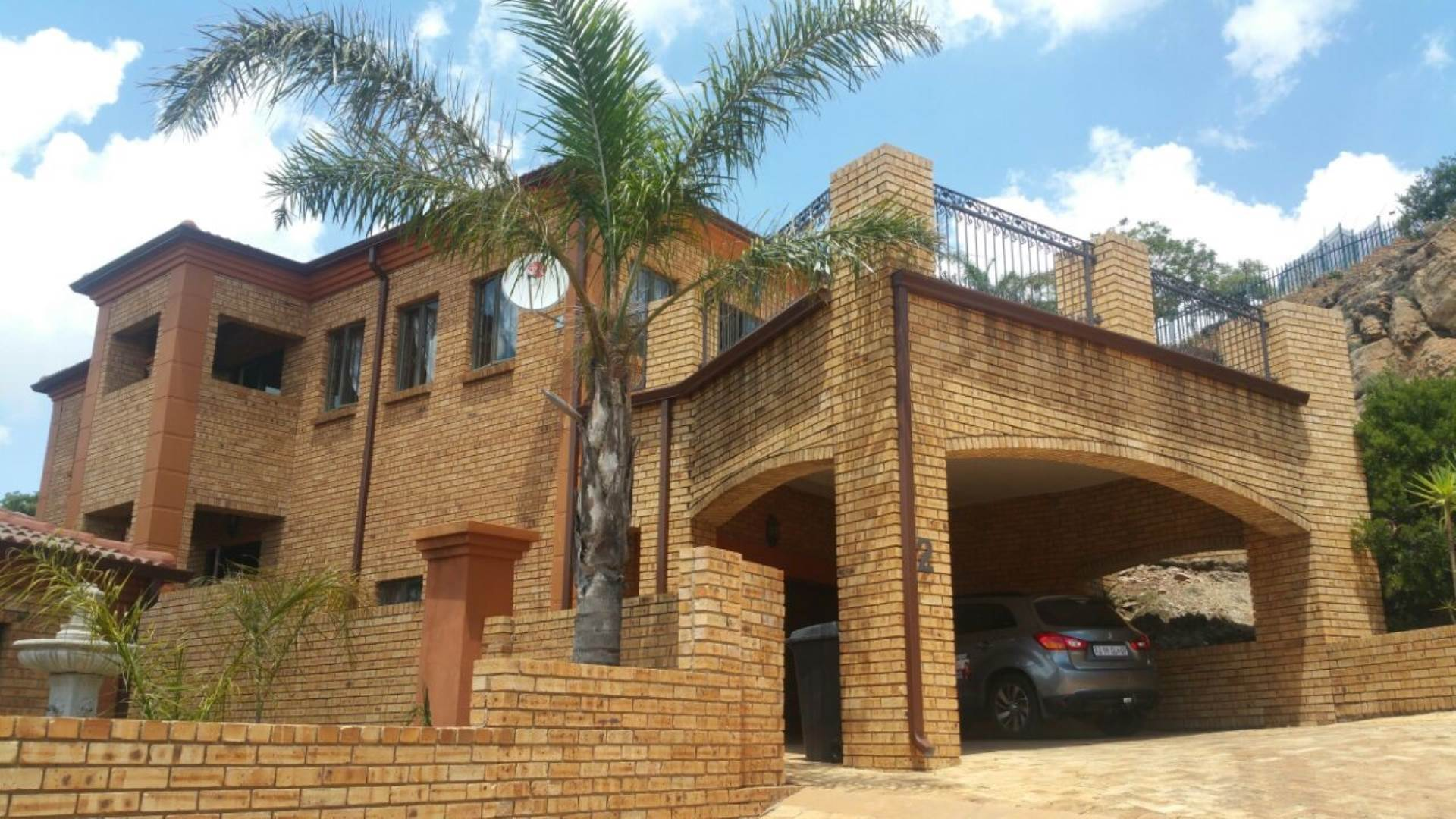 3 BedroomCluster For Sale In Noordheuwel