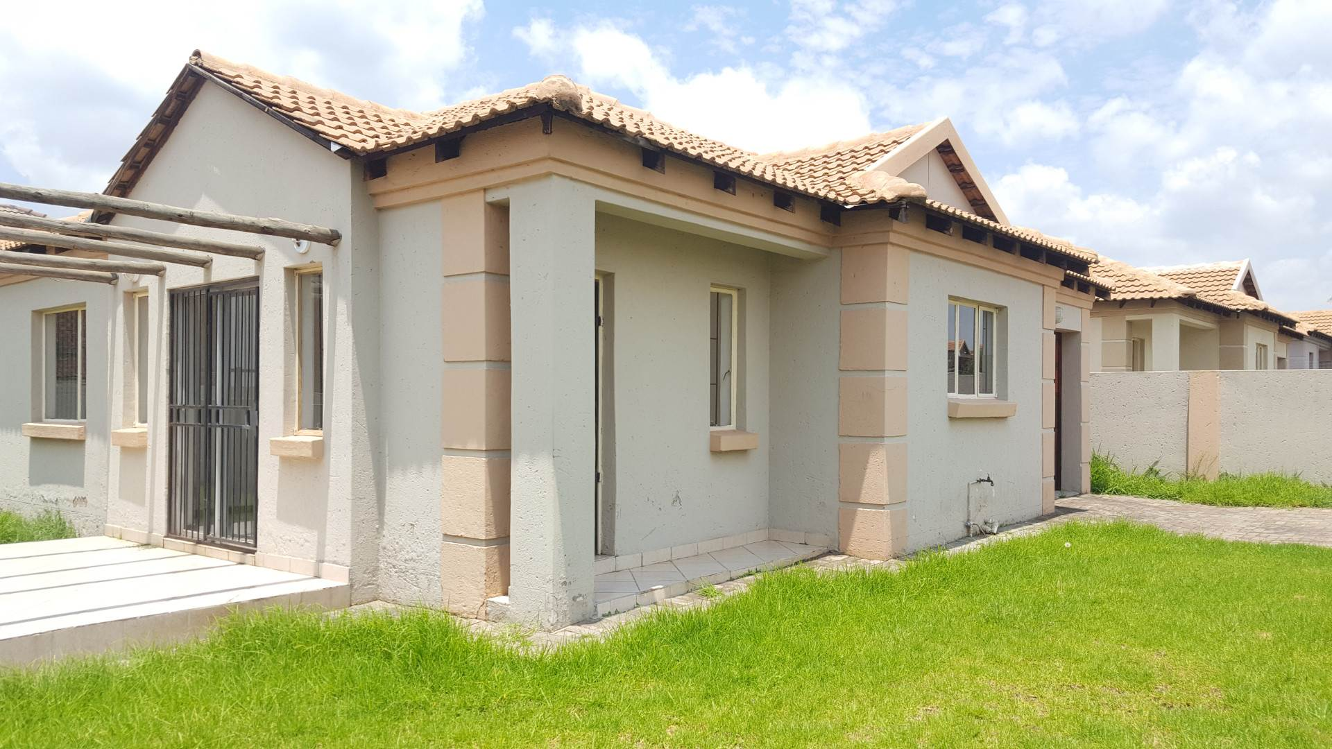3 BedroomTownhouse To Rent In Hoeveld Park & Ext