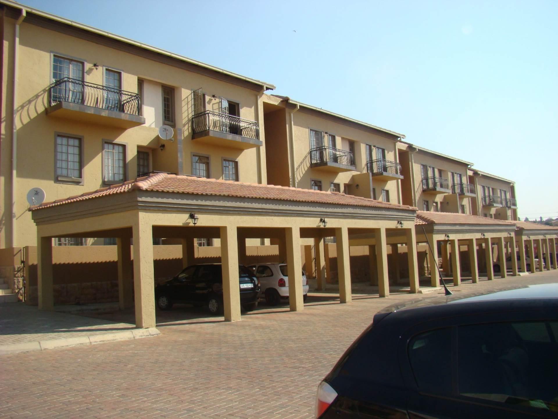 1 BedroomTownhouse To Rent In Norkem Park Ext 2