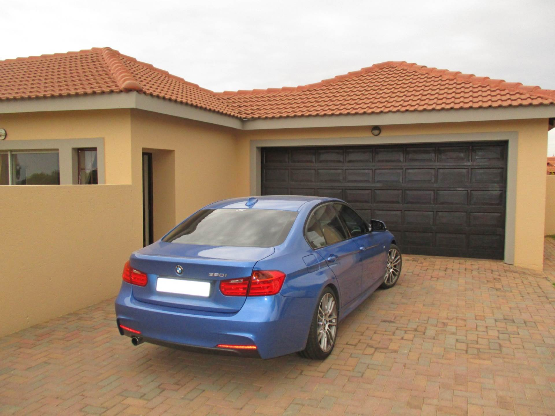 3 BedroomHouse For Sale In Thatchfield Estate