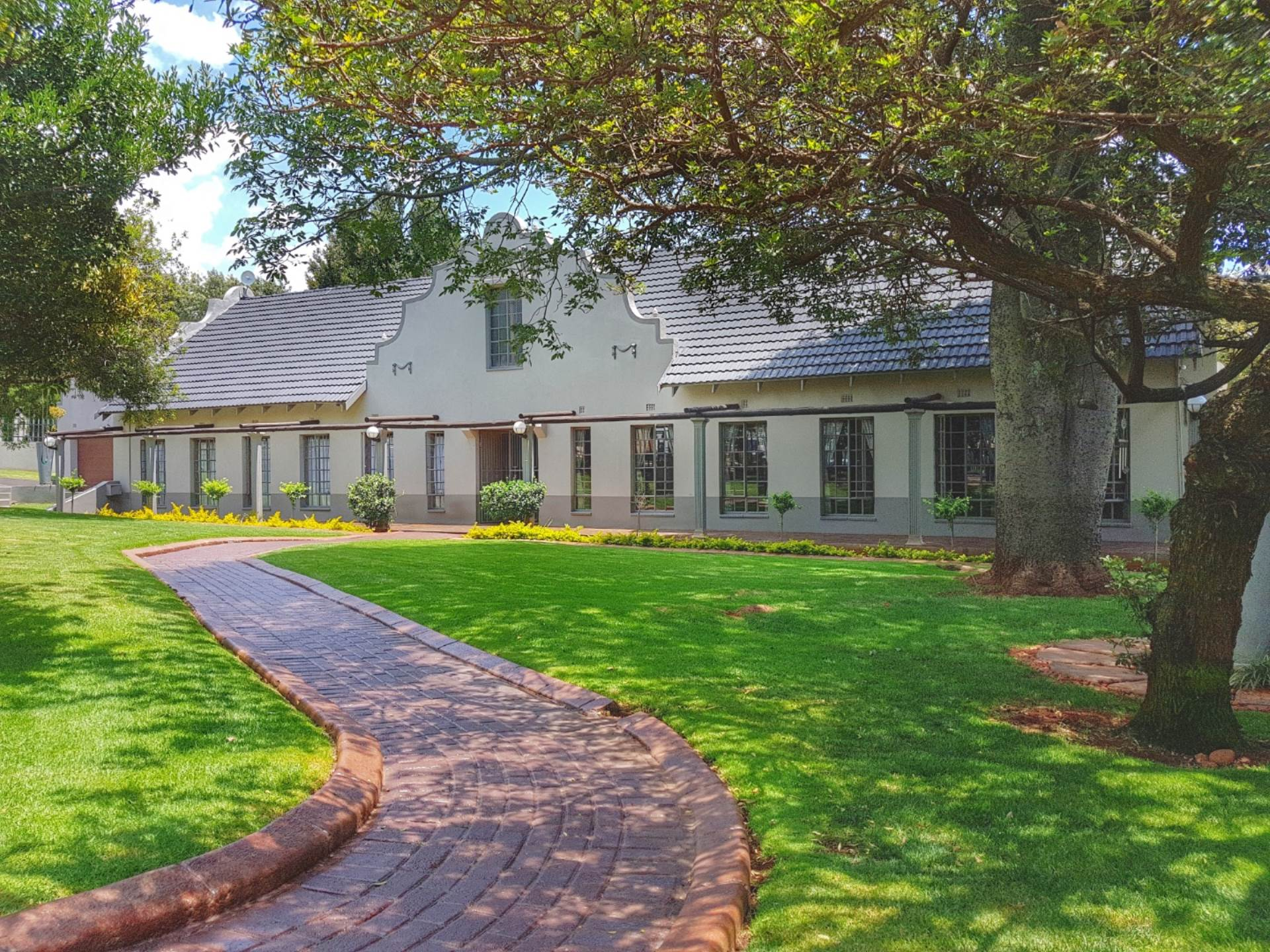 4 BedroomHouse For Sale In Noordheuwel
