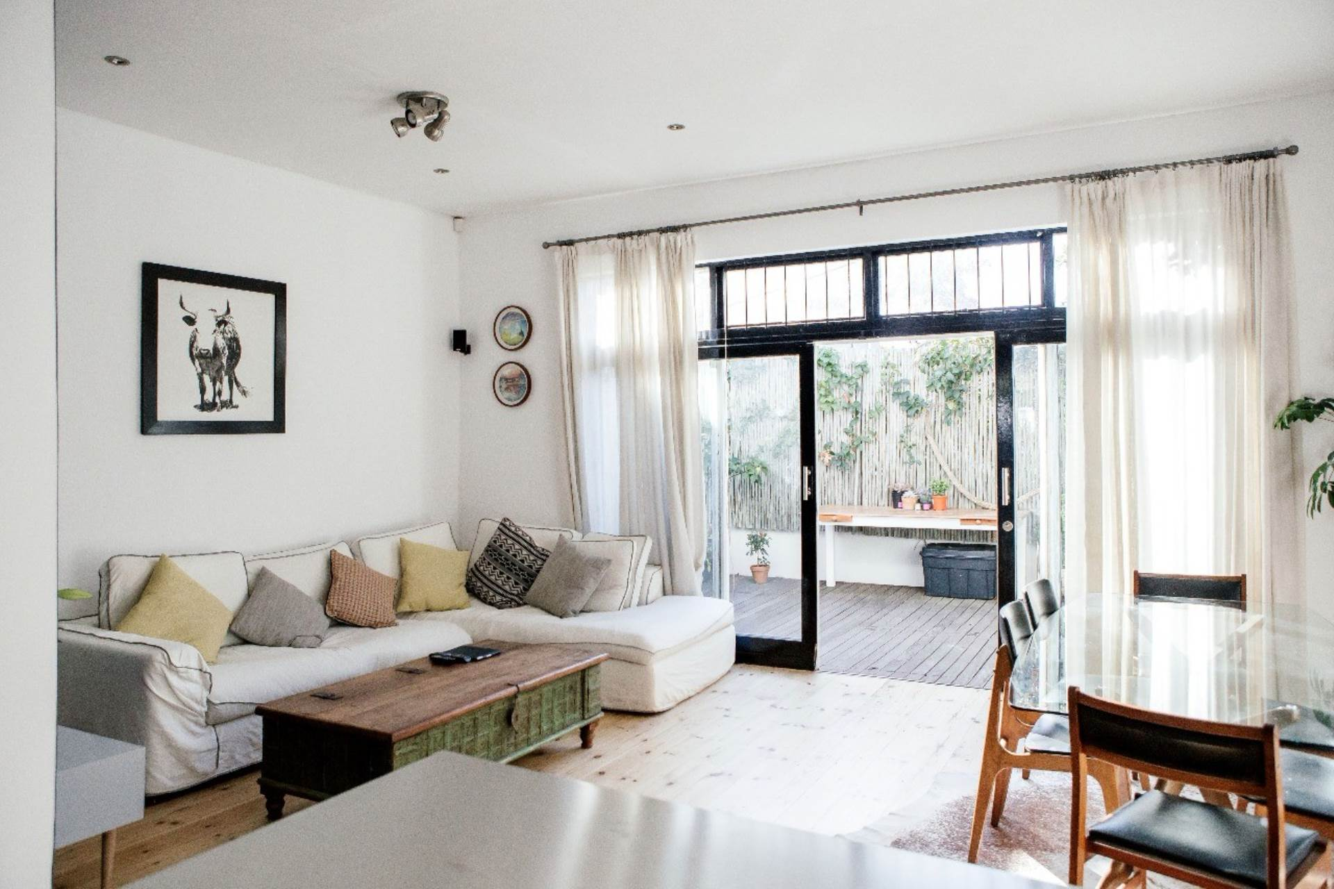 2 BedroomHouse To Rent In Green Point