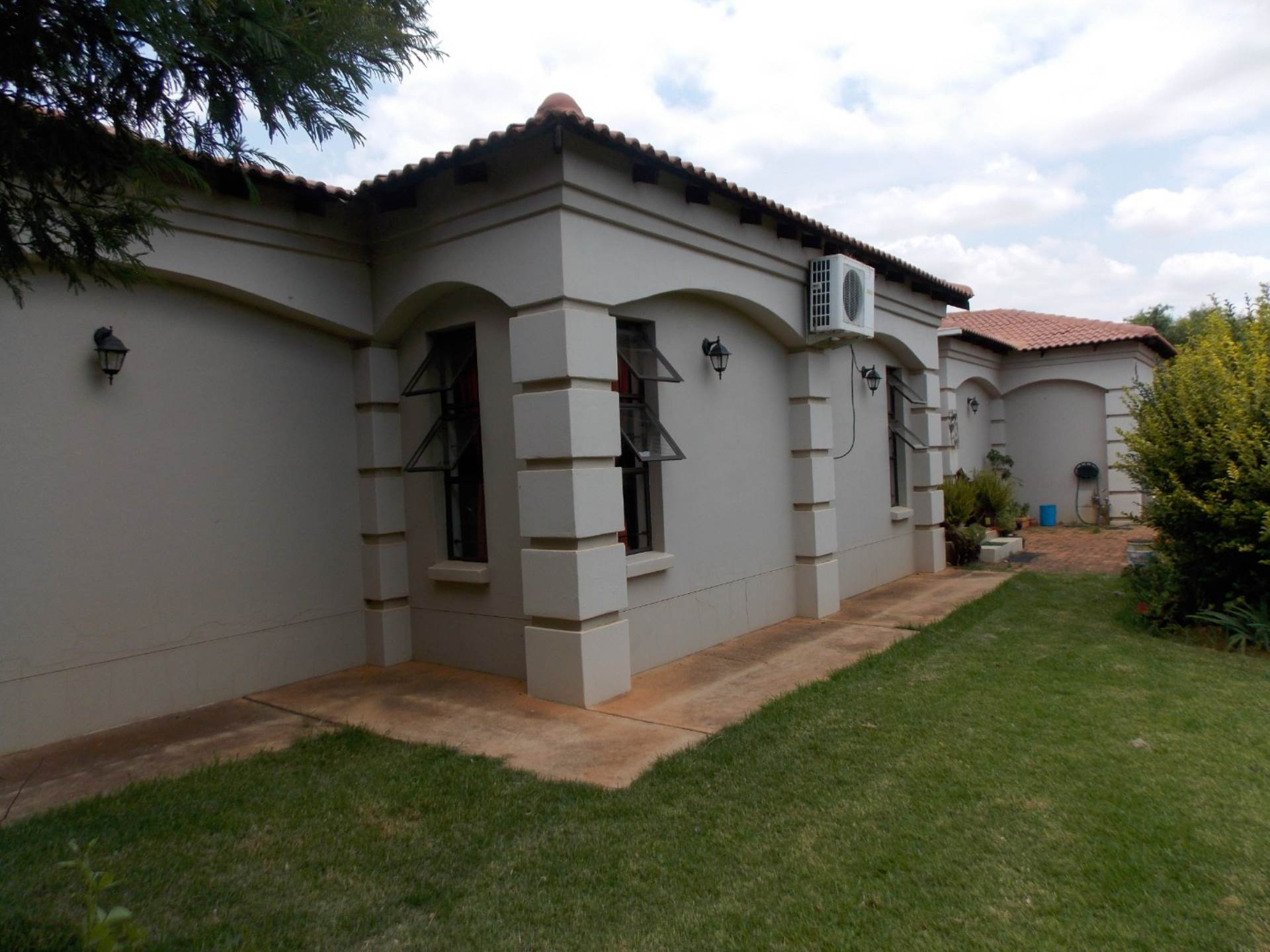 Rietvlei View Country Estate property for sale. Ref No: 13578338. Picture no 2