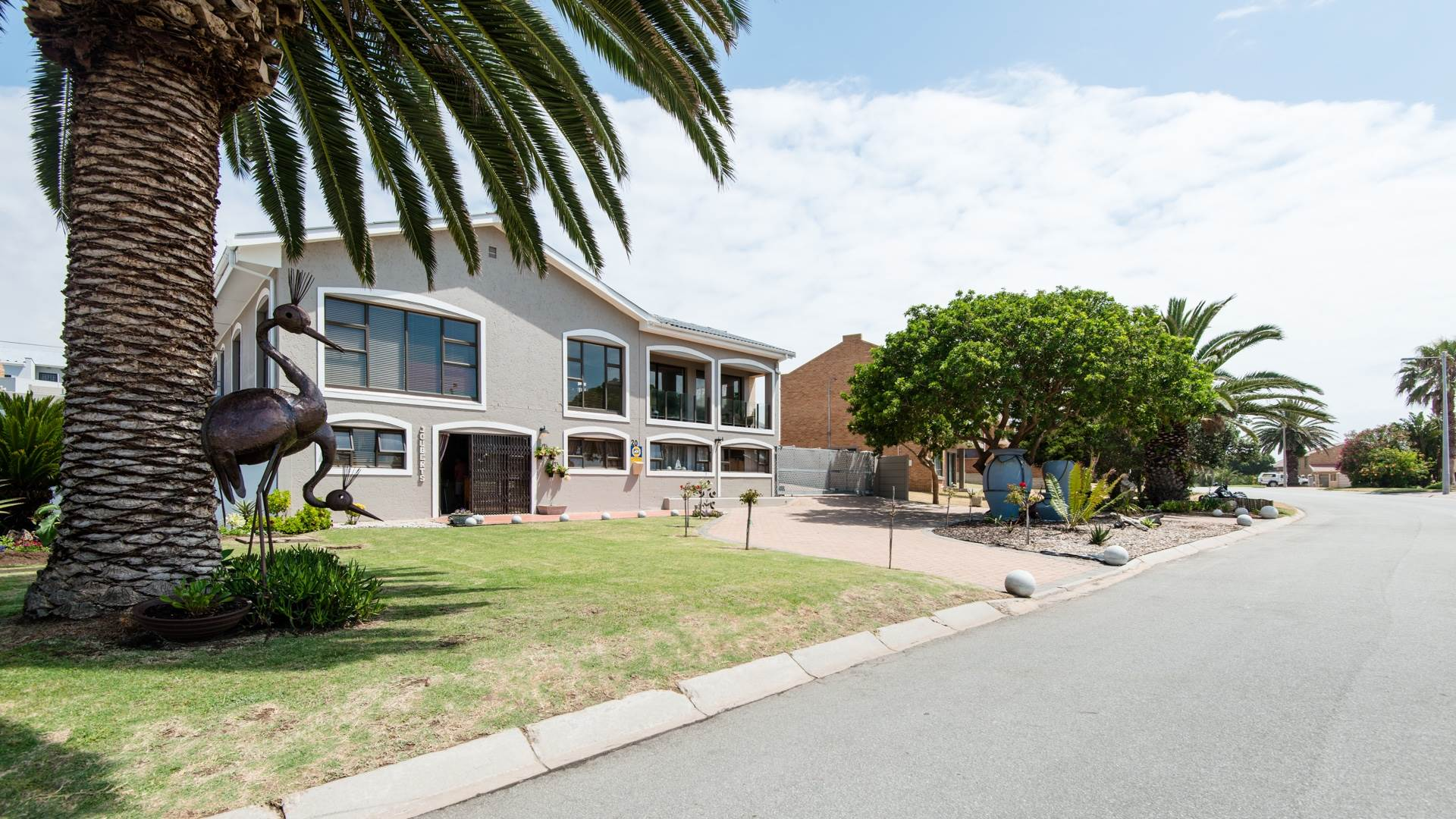 6 BedroomHouse For Sale In Bayview