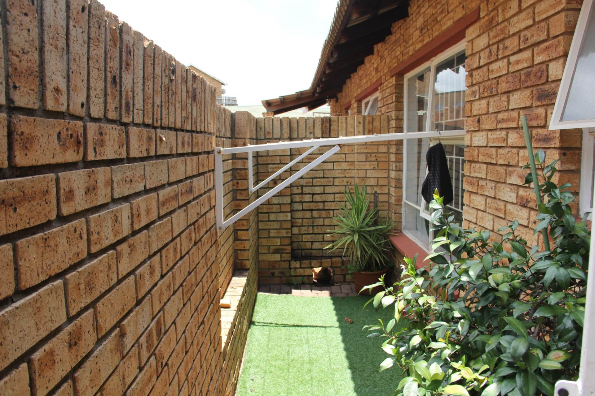 2 BedroomTownhouse For Sale In Rant En Dal