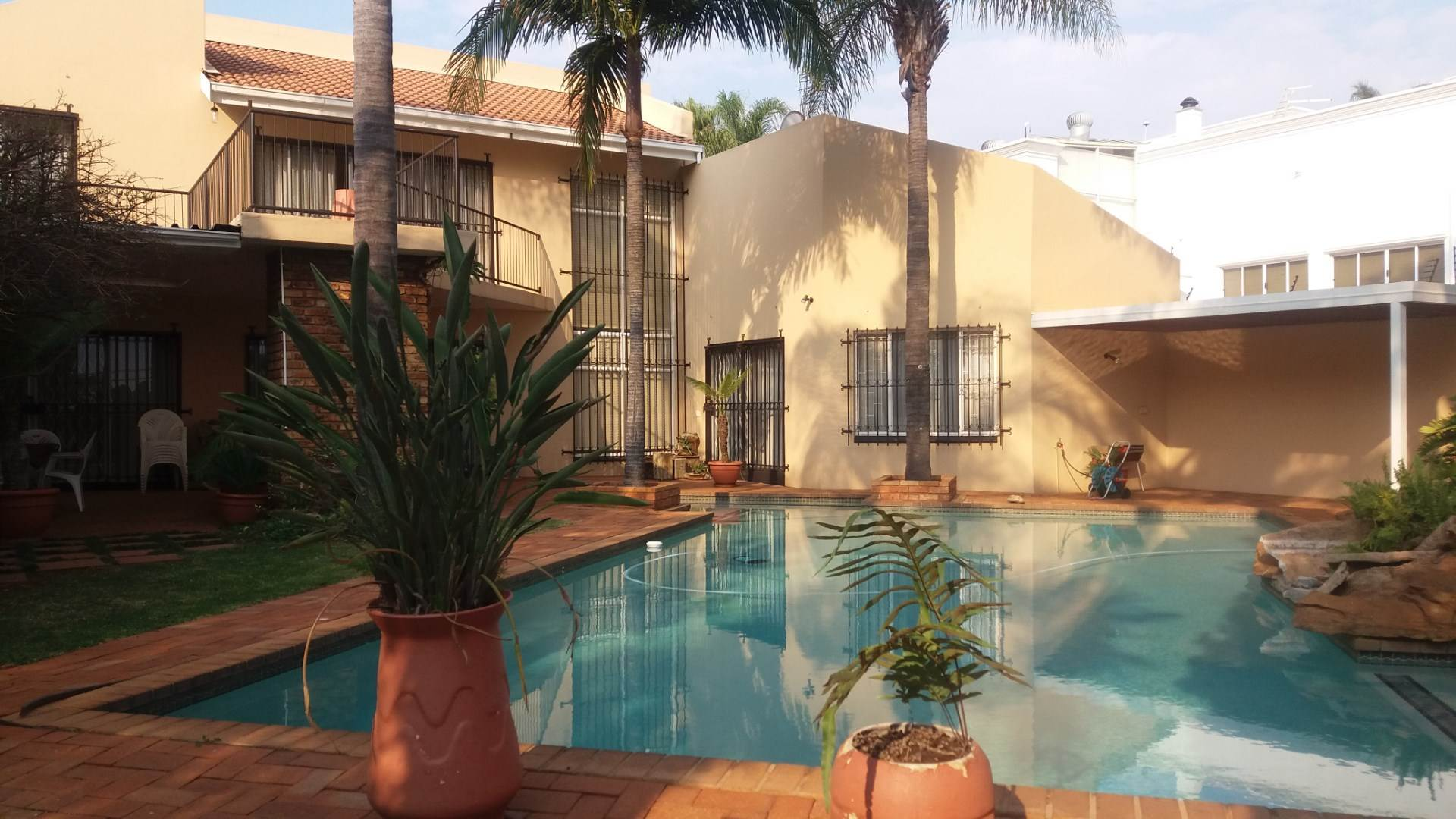 Property and Houses for sale in Moreleta Park, House, 4 Bedrooms - ZAR 2,750,000