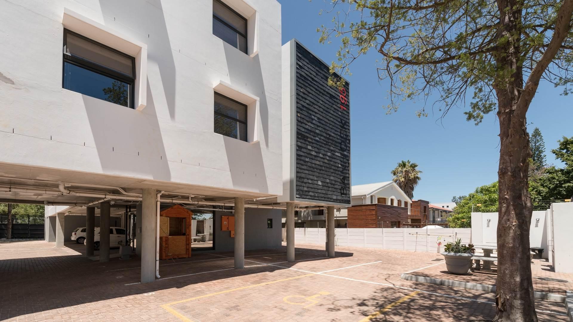 26 BedroomHouse For Sale In Universiteitsoord