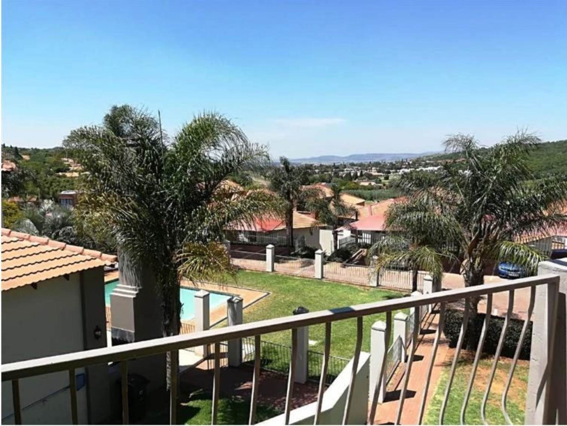 2 BedroomTownhouse To Rent In Glenvista