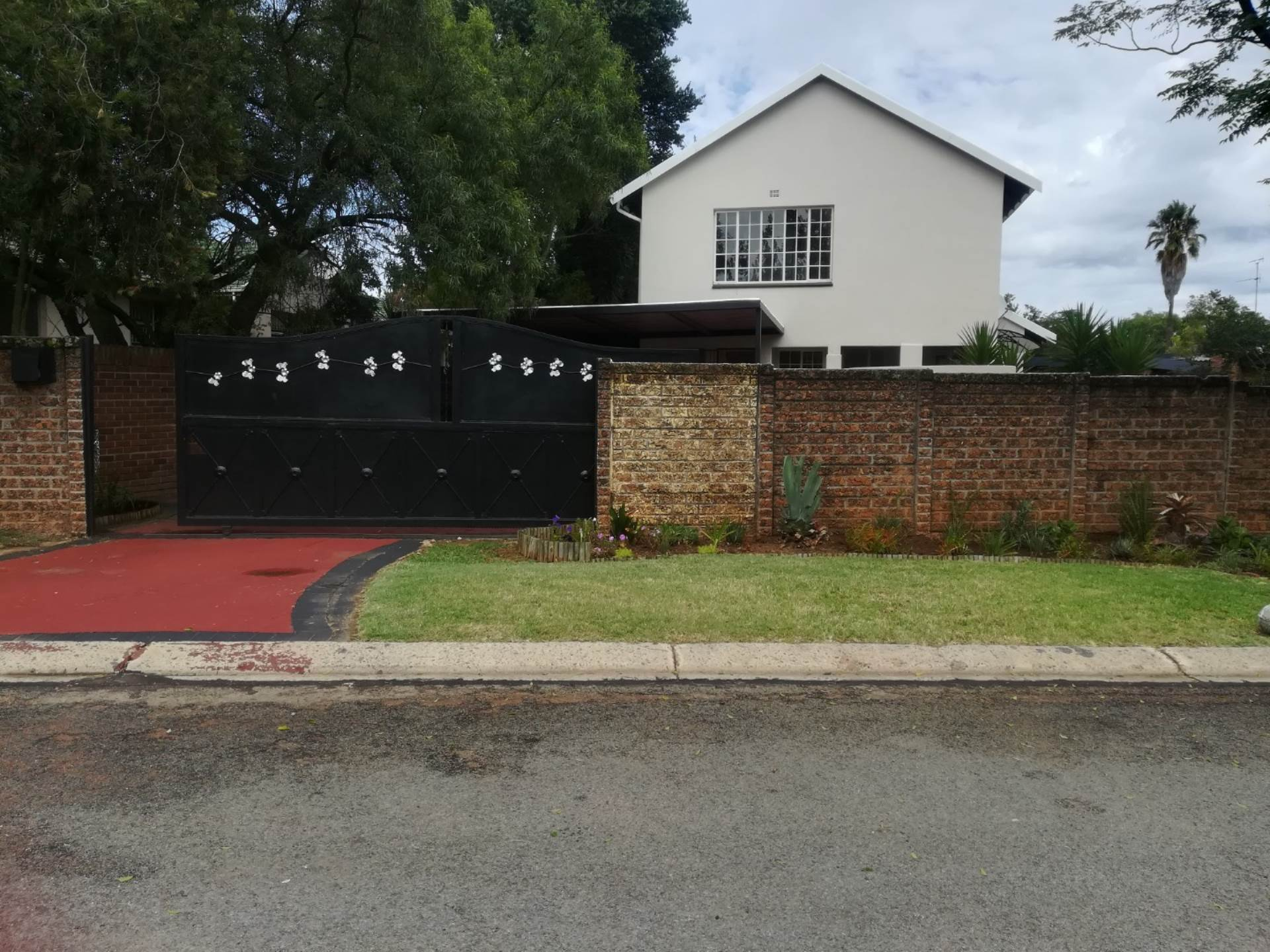 3 BedroomHouse To Rent In Morehill Ext 2