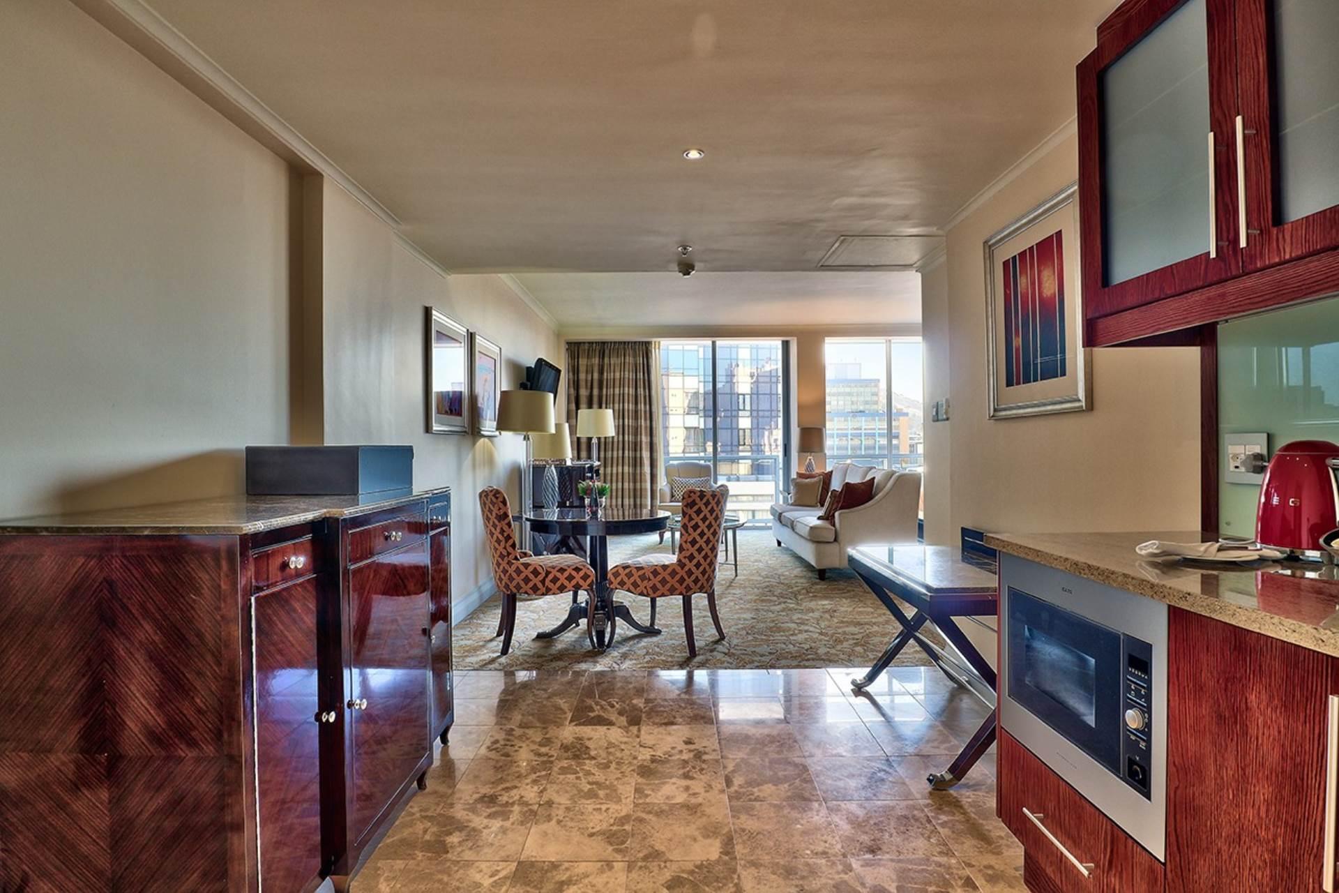 Cape Town property for sale. Ref No: 13579167. Picture no 6
